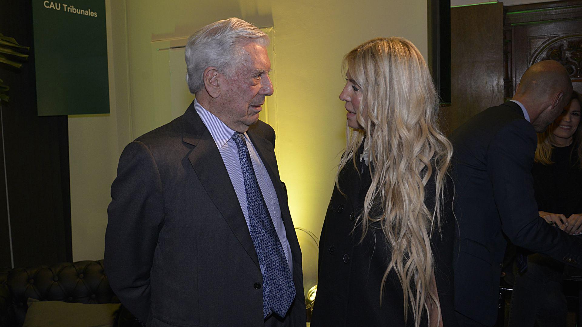 Mario Vargas Llosa y Cris Morena