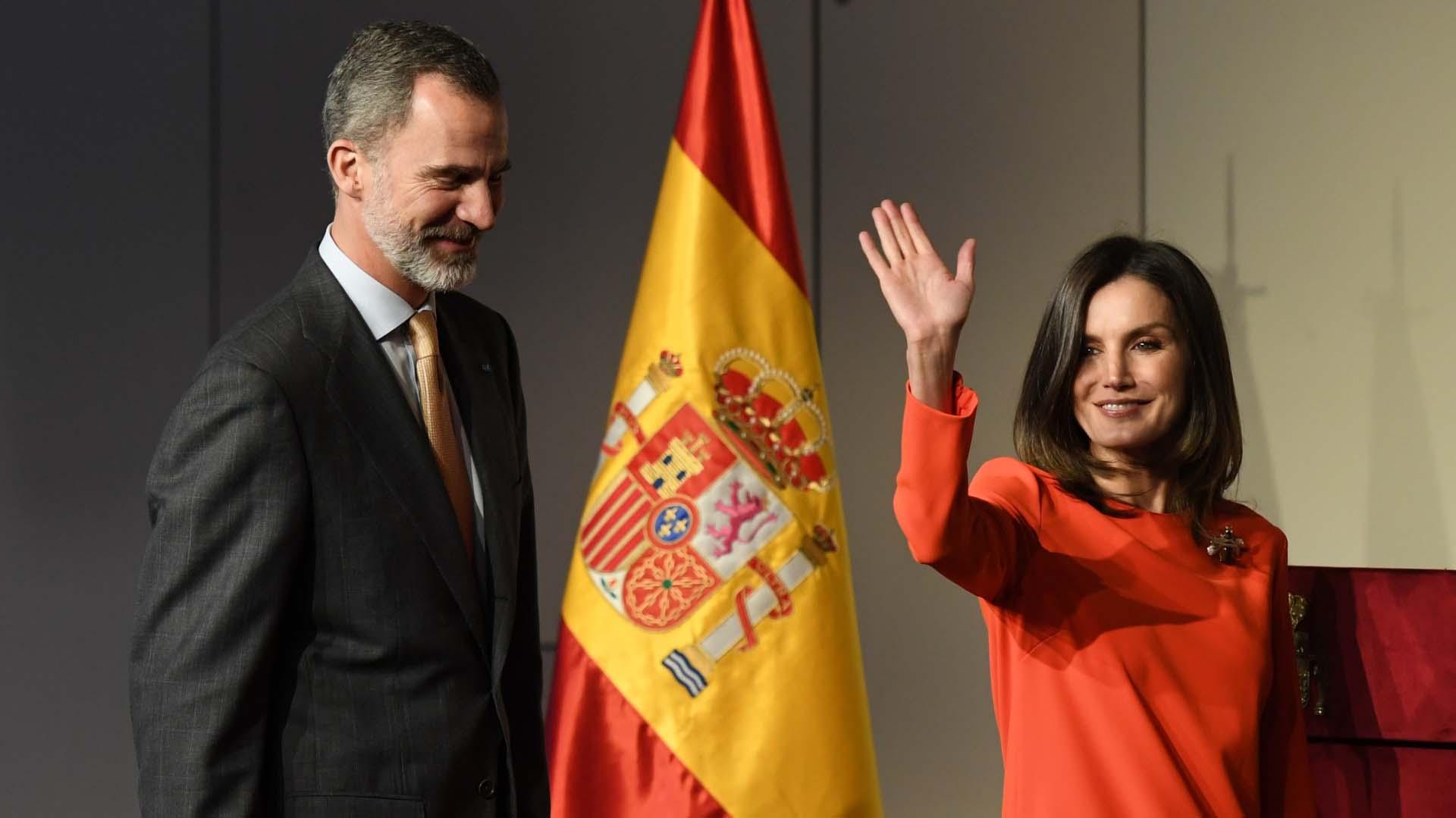 Para dar inicio al encuentro, que tuvo lugar en La Rural de Palermo, sonó el himno nacional español