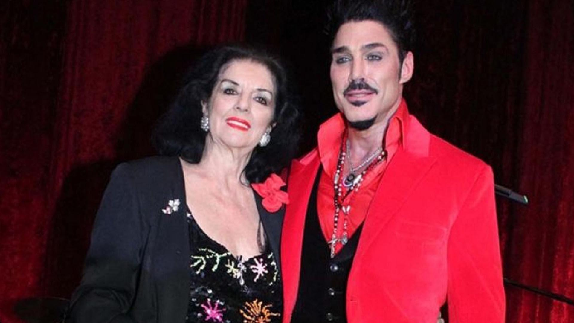 Marta Fort, junto a su hijo Ricardo, que murió el 25 de noviembre de 2013