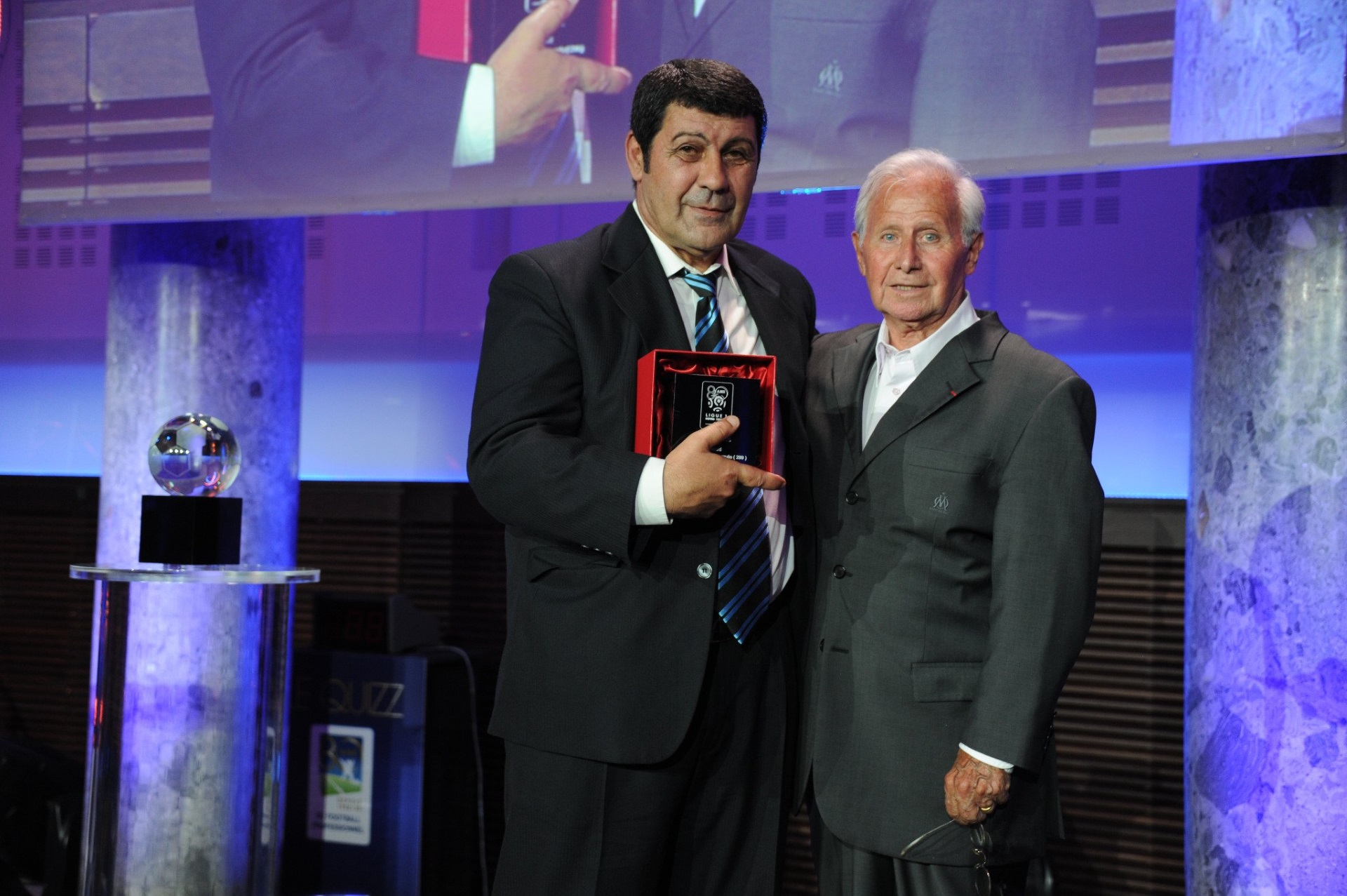 En 2012 recibió el premio como máximo goleador histórico de la Ligue 1 a 80 años de su fundación (Foto: Liga de Francia)
