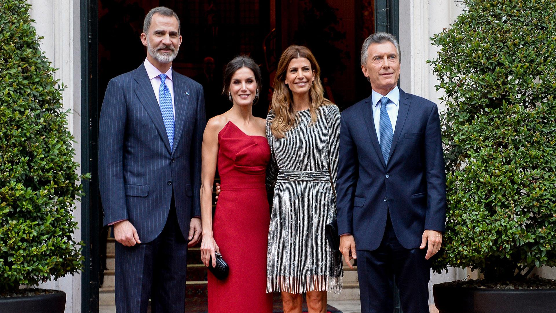 Los reyes de España, Felipe VI y Letizia, ofrecieron una recepción en honor al presidente Mauricio Macri y la primera dama, Juliana Awada, en el hotel Four Seasons