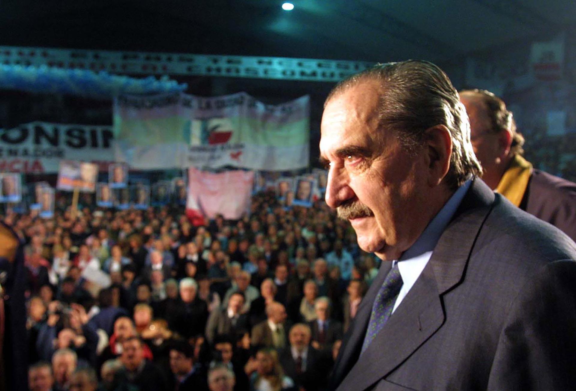 En su pueblo, Chascomús, durante el cierre de campaña como candidato a senador