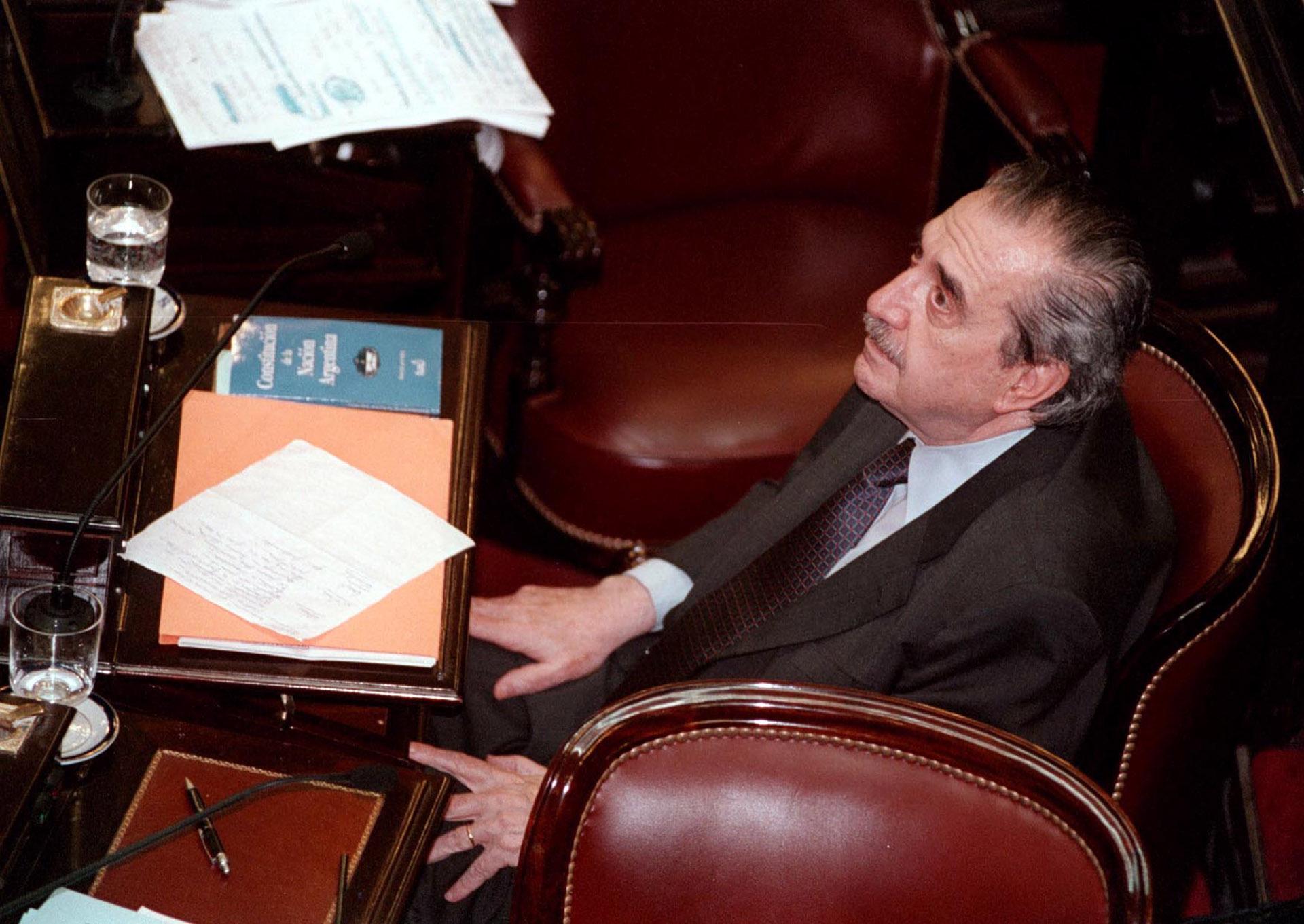 Durante una sesión en la Cámara Alta