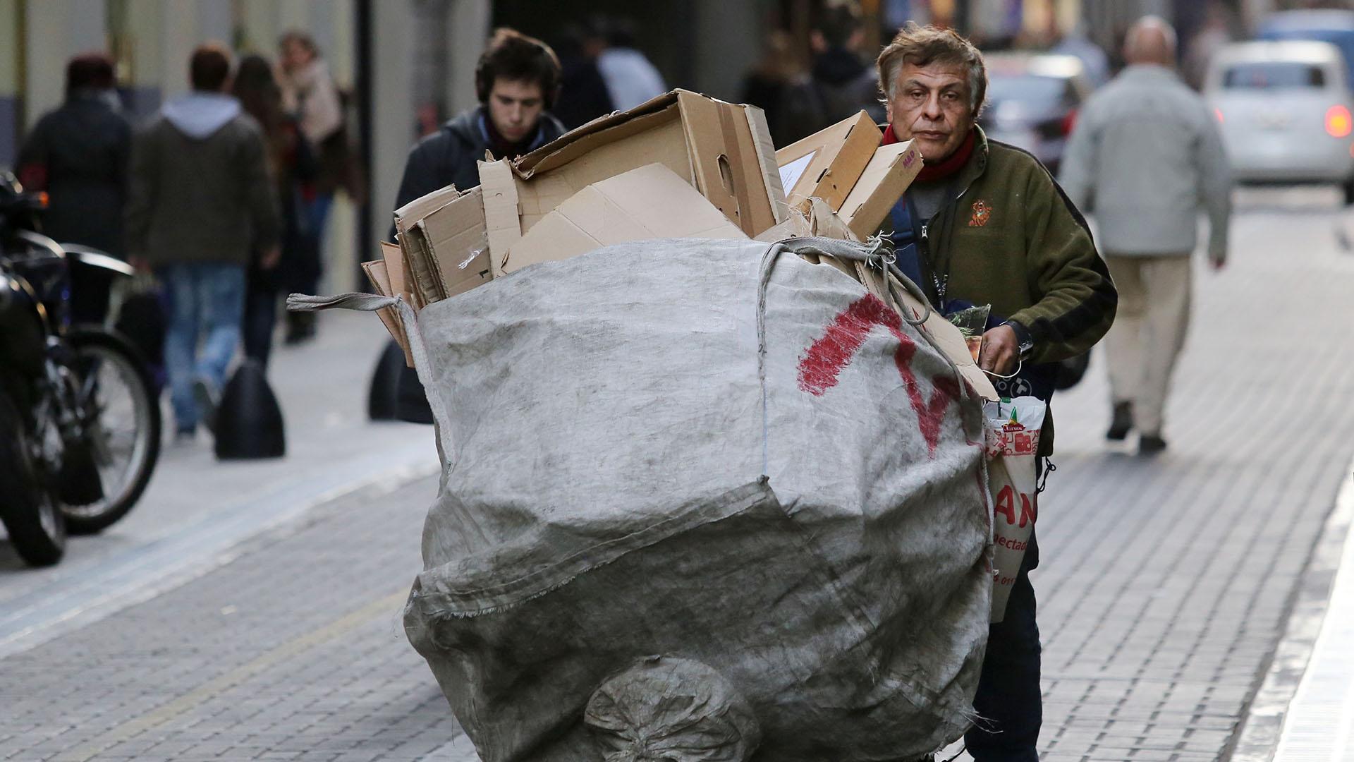 En marzo el INDEC registró un aumento de la pobreza en su última medición que llegó al 32% (Foto NA/Juan Vargas)