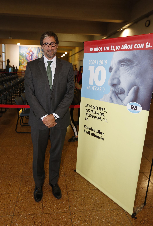 Carlos Mas Vélez