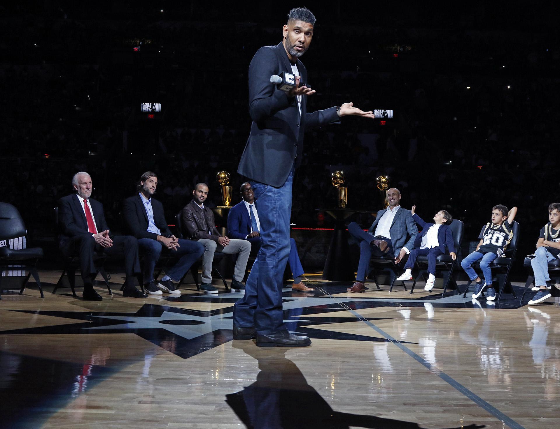Tim Duncan habla sobre Manu Ginobili en su fiesta homenaje en el AT&T Center en San Antonio