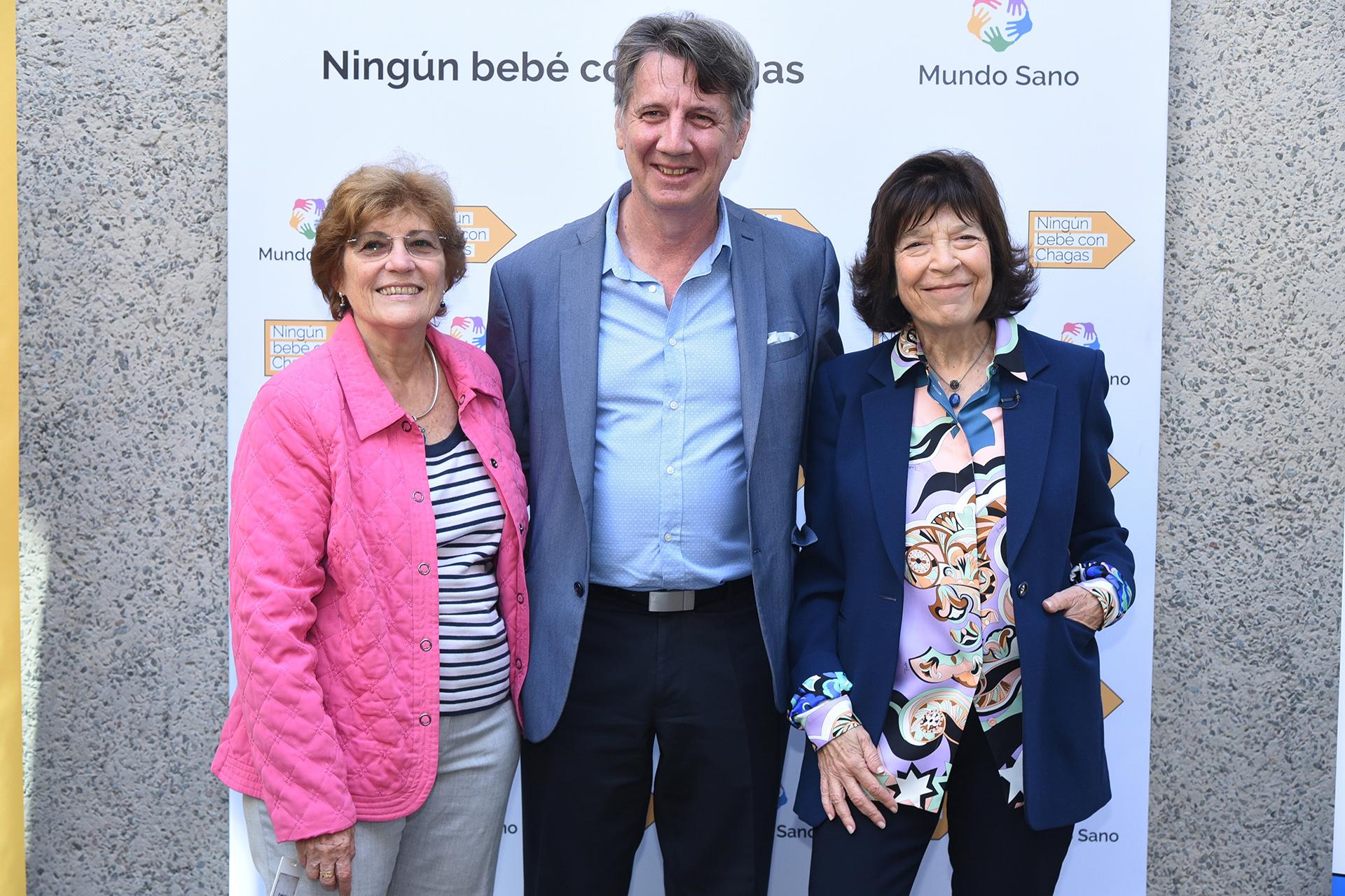 Mirta Roses de la Organización Panamericana de la Salud, Mario Kaler de la Secretaría de Gobierno de Salud y Silvia Gold, presidente de Mundo Sano