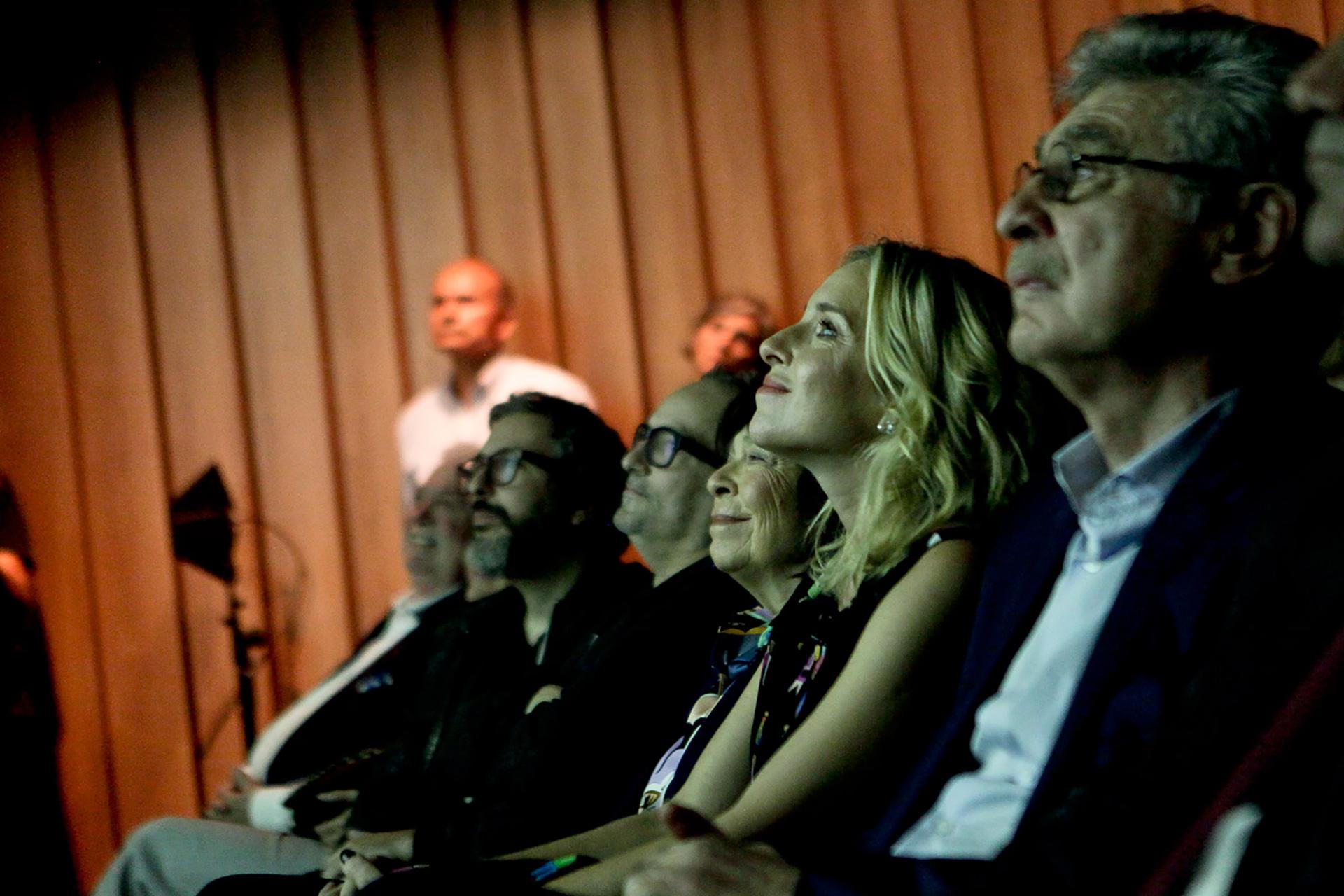 Silvia Gold, presidente de Mundo Sano, Carla Peterson, y Hugo Sigman, CEO de Grupo Insud durante el lanzamiento de la campaña #NingúnBebéConChagas
