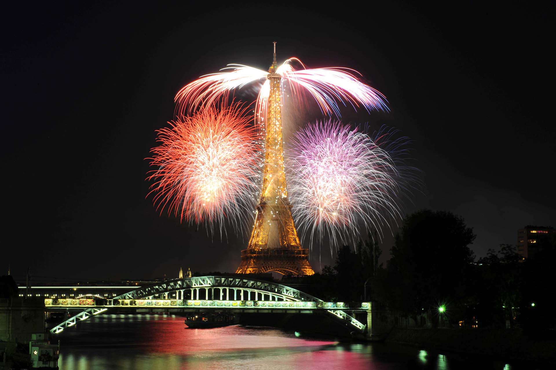 La Torre Eiffel, en 2009, el año de su 120° aniversario