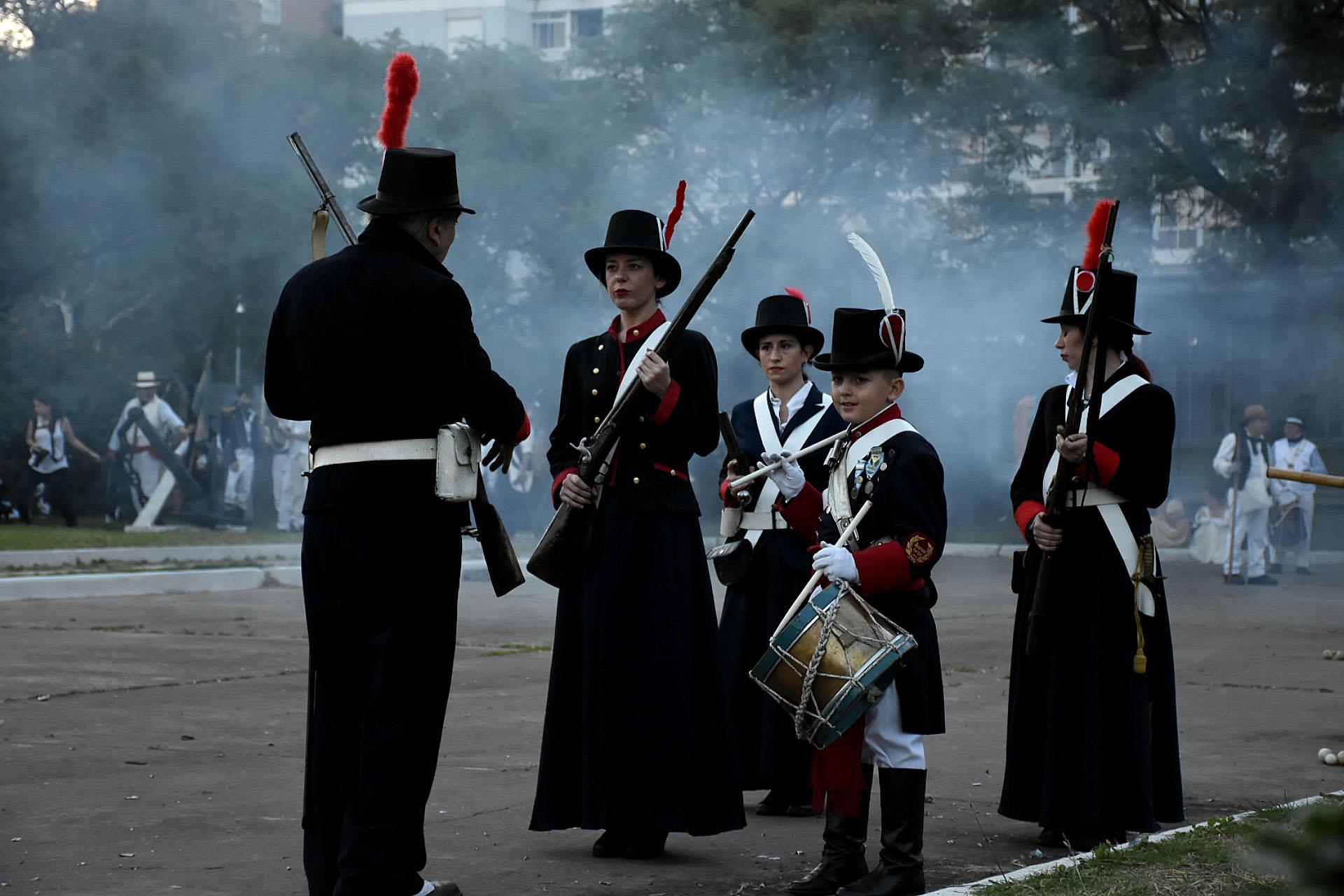 El espectáculo gratuito fue impulsado por el Instituto Nacional Browniano junto a la Armada Argentina y contó con el apoyo del programa de mecenazgo cultural del Gobierno porteño