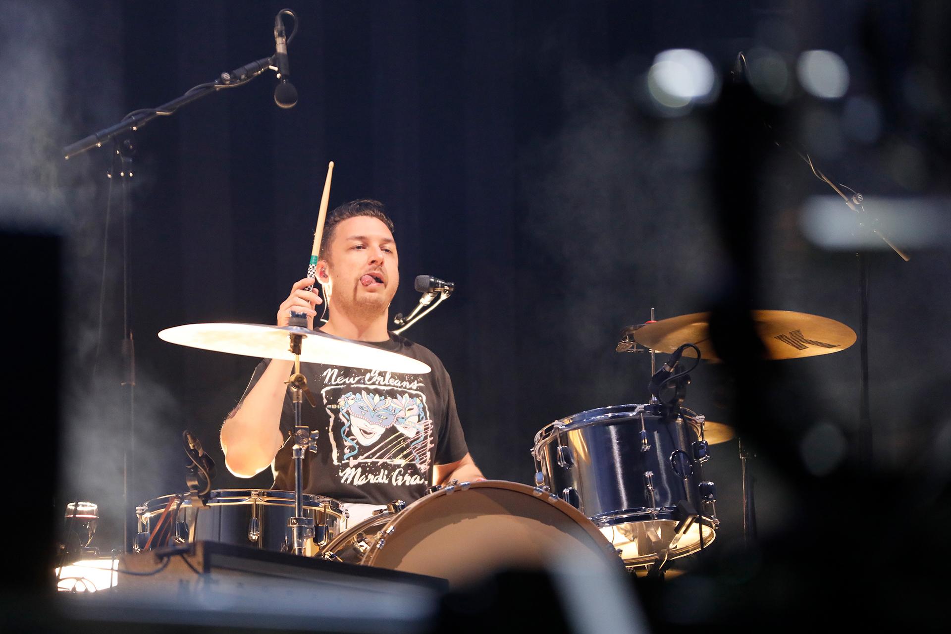 Matt Helders en la batería (Chule Valerga)