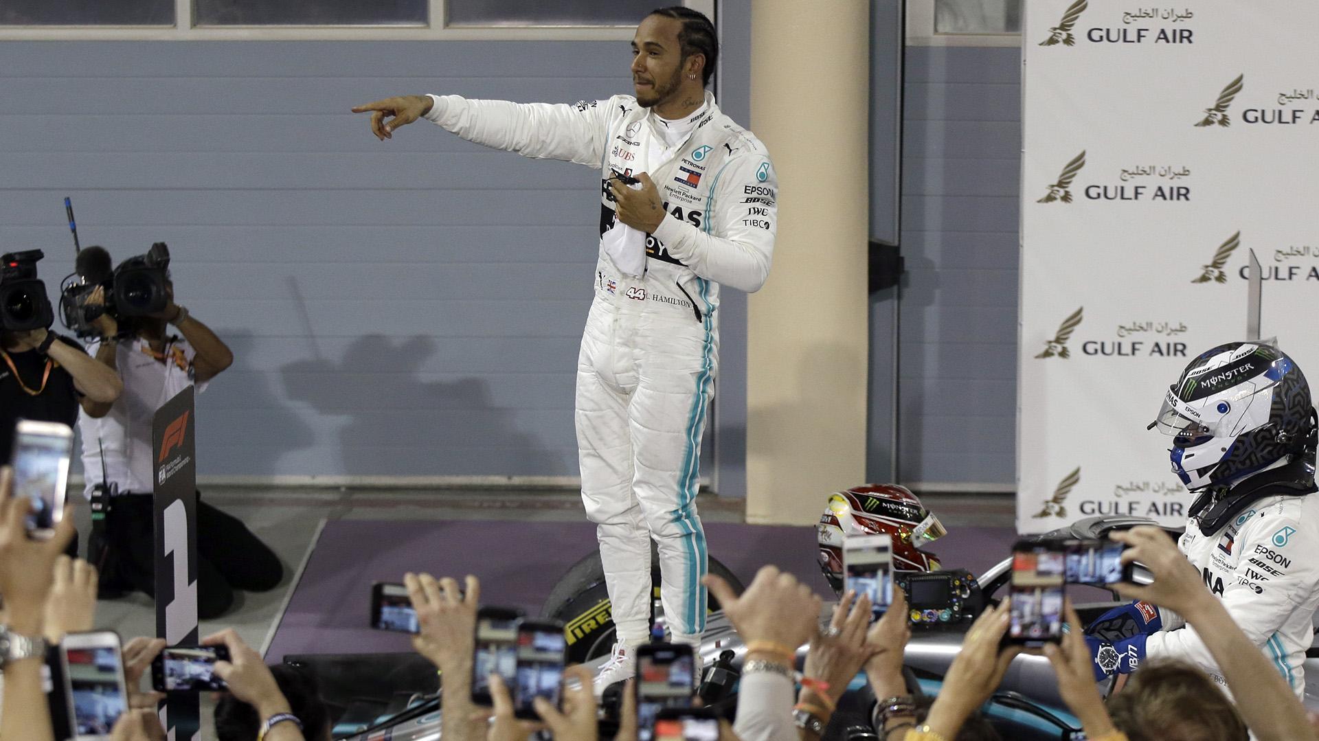 Hamilton ganó el GP de Bahréin y apunta a un nuevo título en la F1 (AP)