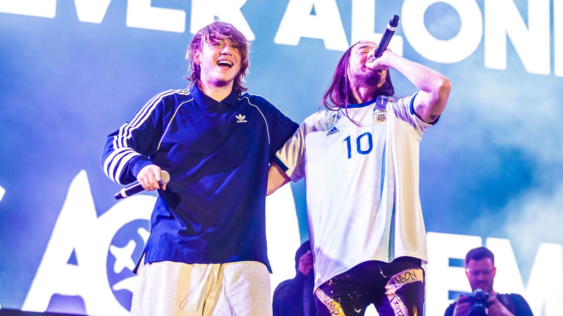 Steve Aoki subió al escenario para cantar junto a Paulo Londra (Foto: Lollapalooza)