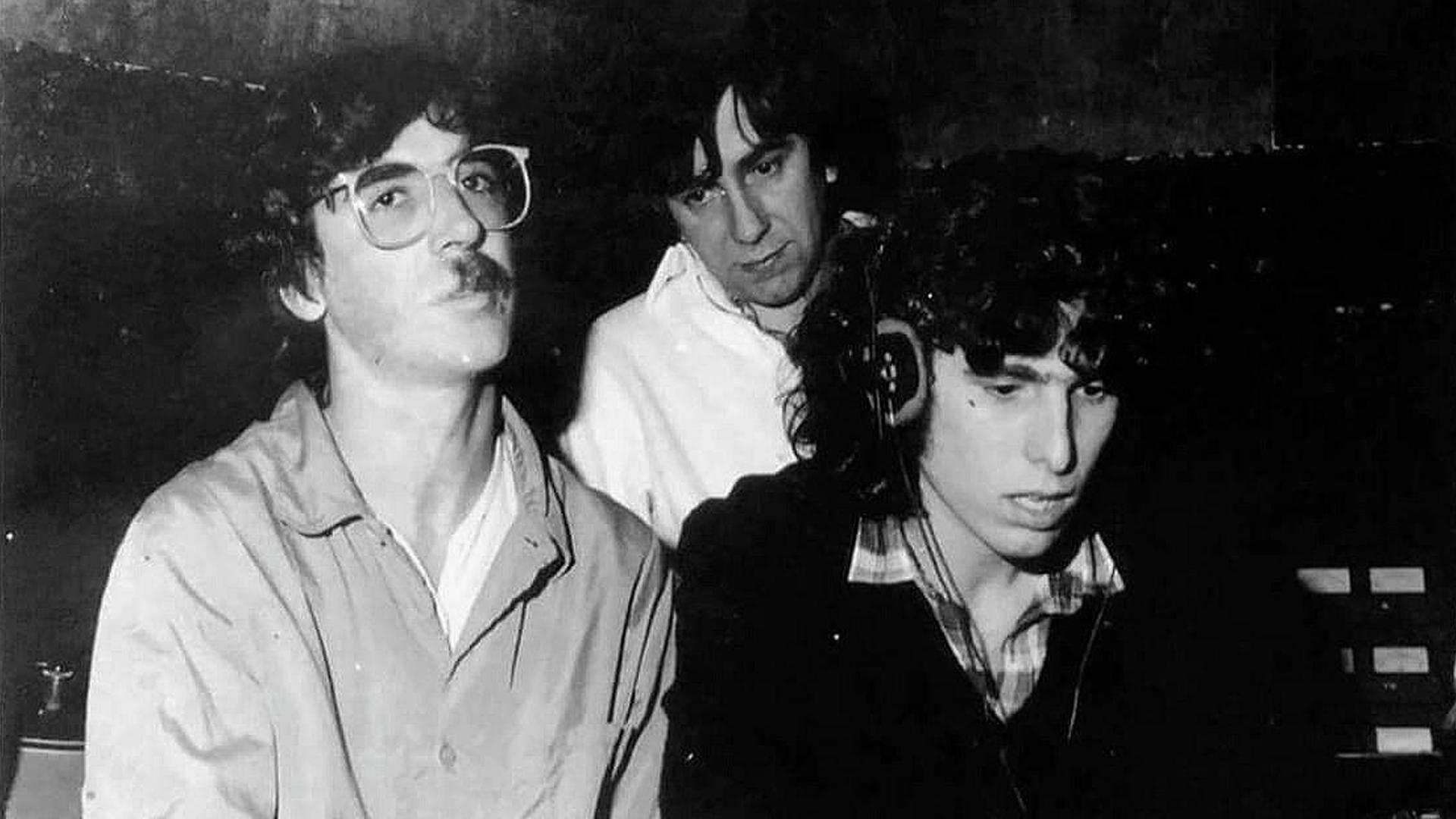 Andrés Calamaro -junto a Charly García y Robertino Granados- en la década del 80