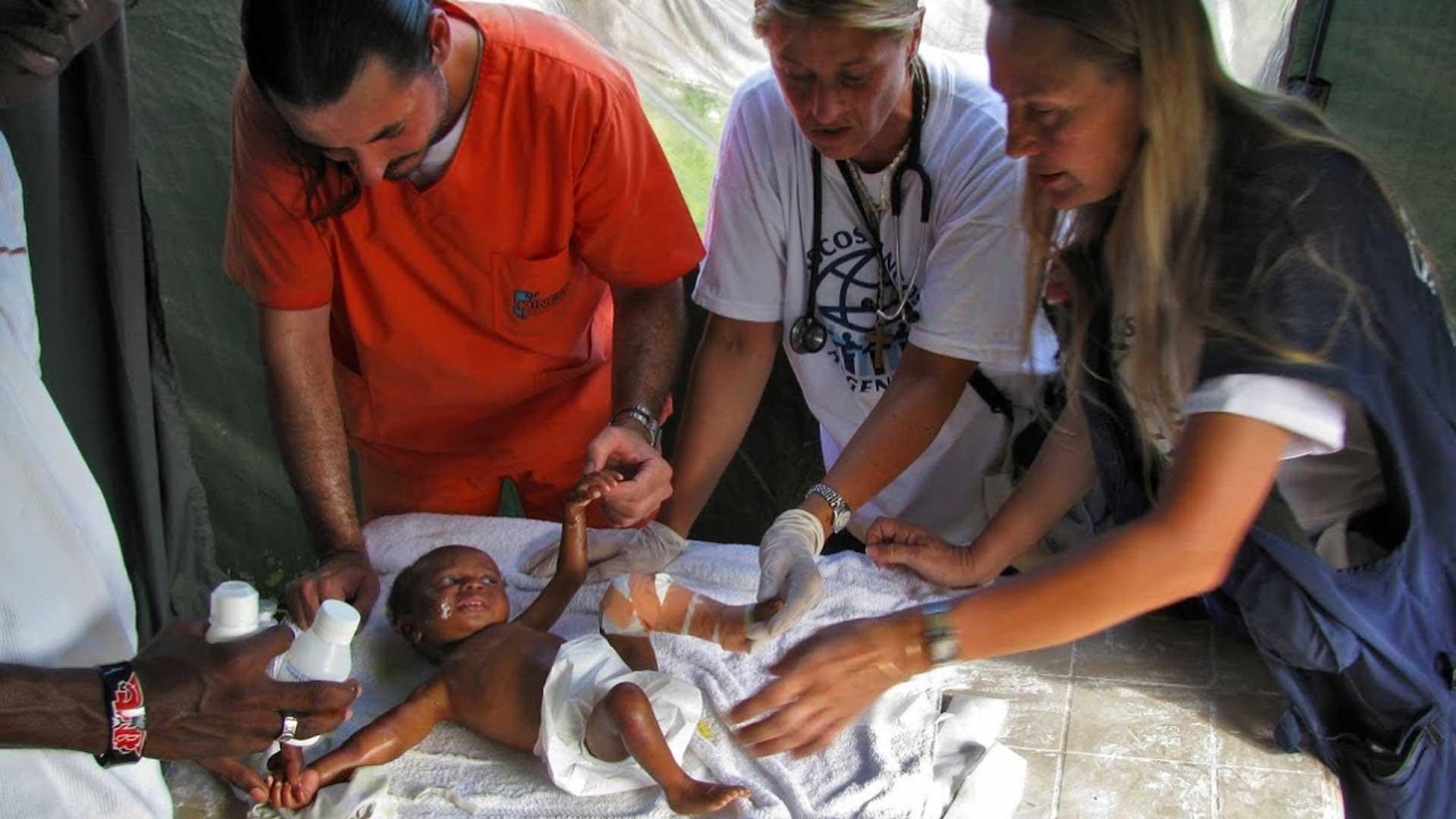 La misión de Cascos Blancos es diseñar y ejecutar misiones de asistencia humanitaria. Foto:Gentileza Cascos Blancos.