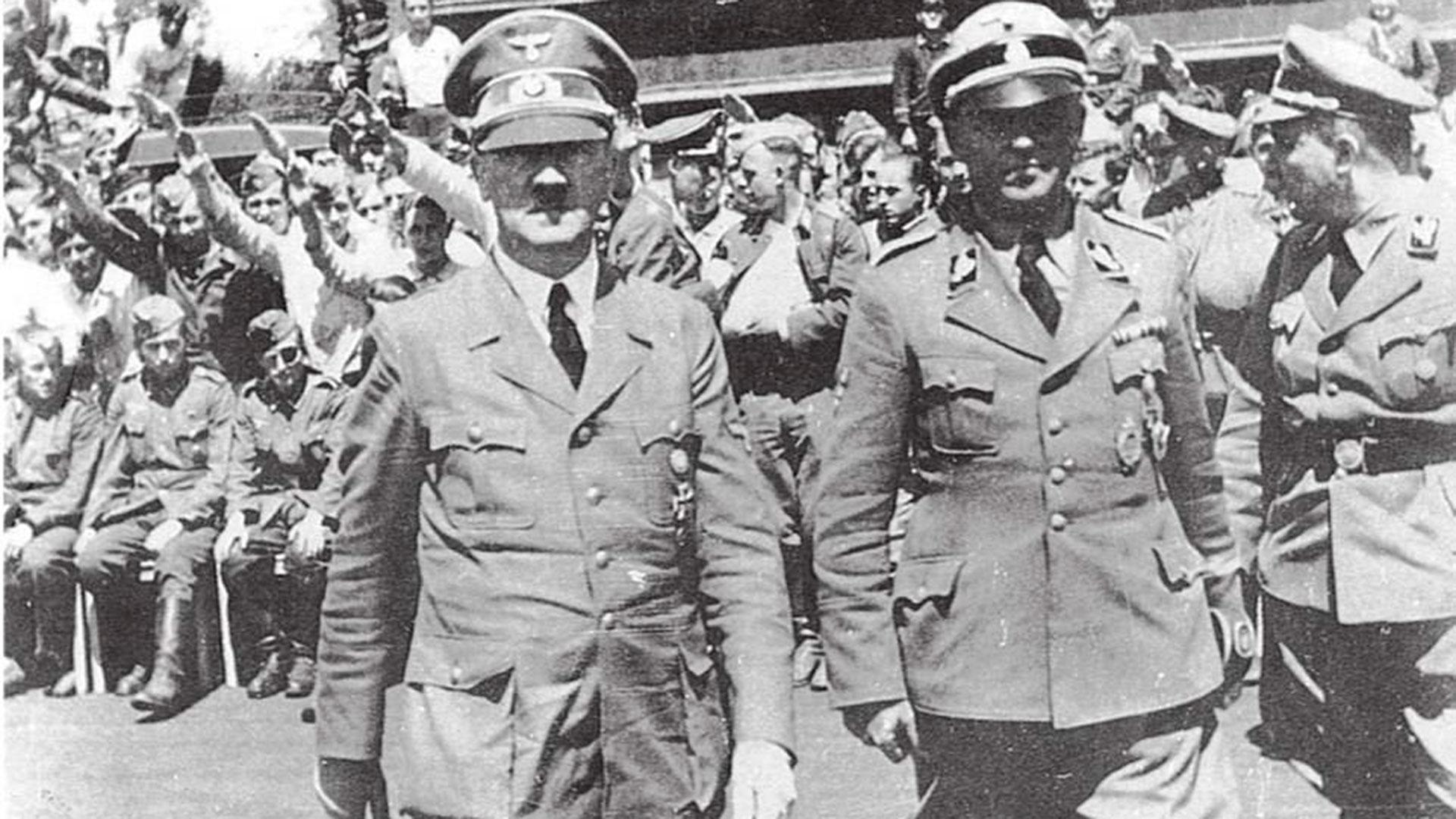 Adolf Hitler y Hans Baur