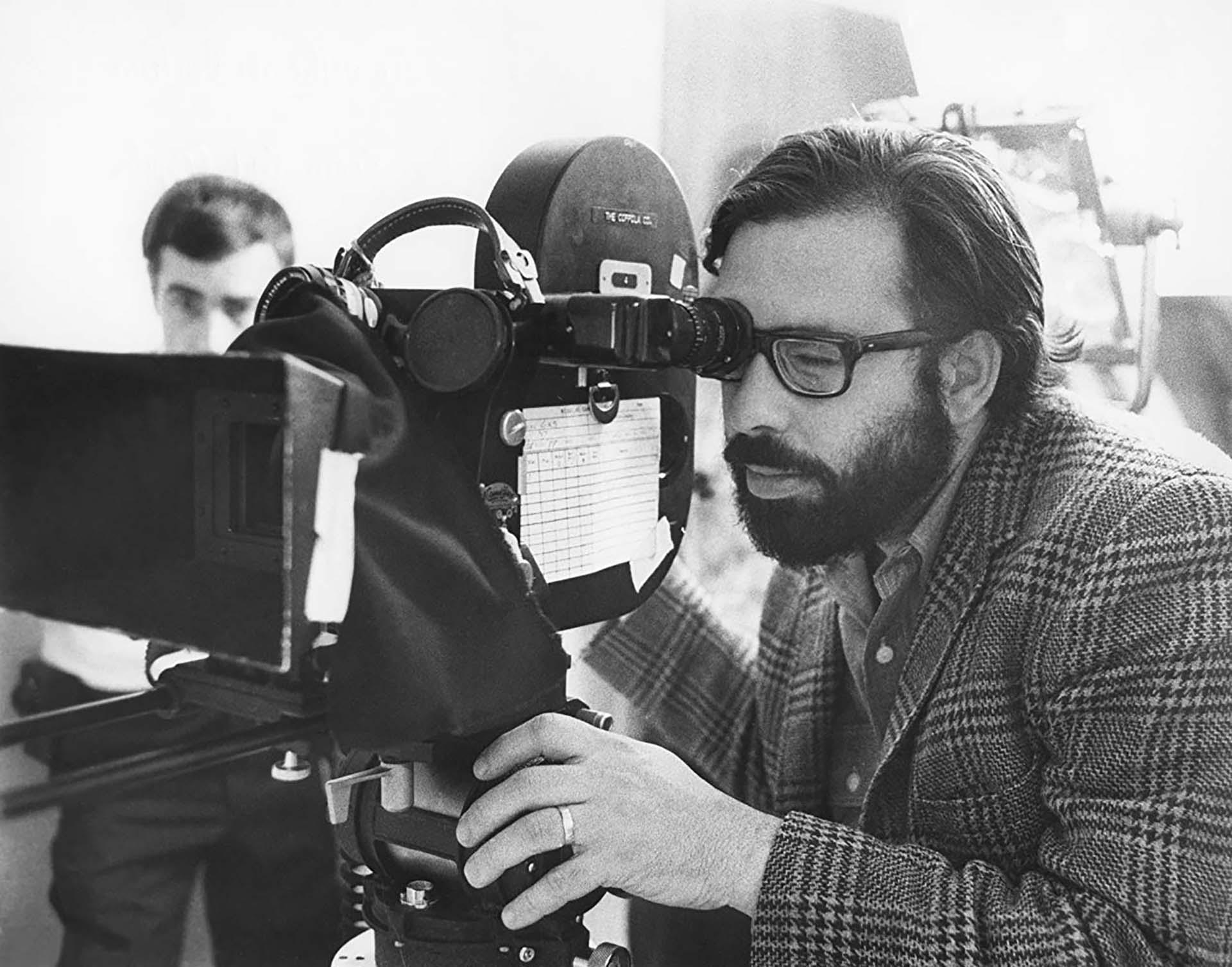 """Francis Ford Coppola en pleno rodaje de uno de sus primeros filmes """"Finian's Rainbow"""" (1968), que fue protagonizado porFred Astaire y Petula Clark"""