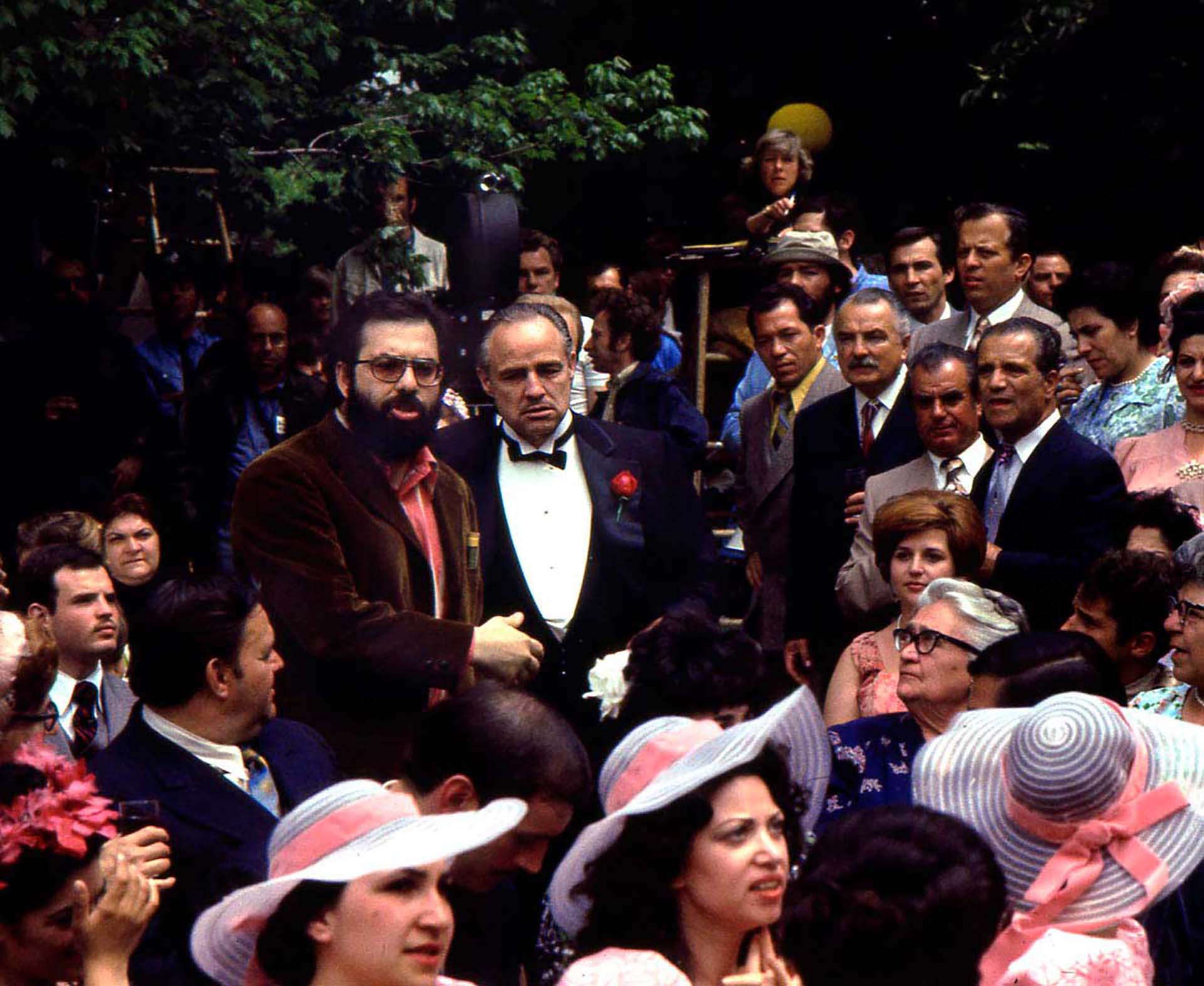 """""""El Padrino"""" es considerada por la mayoría de la crítica como uno de los mejores filmes de todos los tiempos y la mejor película de Francis Ford Coppola. En 1973 se hizo acreedora a tres premios Oscar por mejor actor para Marlon Brando, mejor película y mejor guion adaptado para Mario Puzo"""