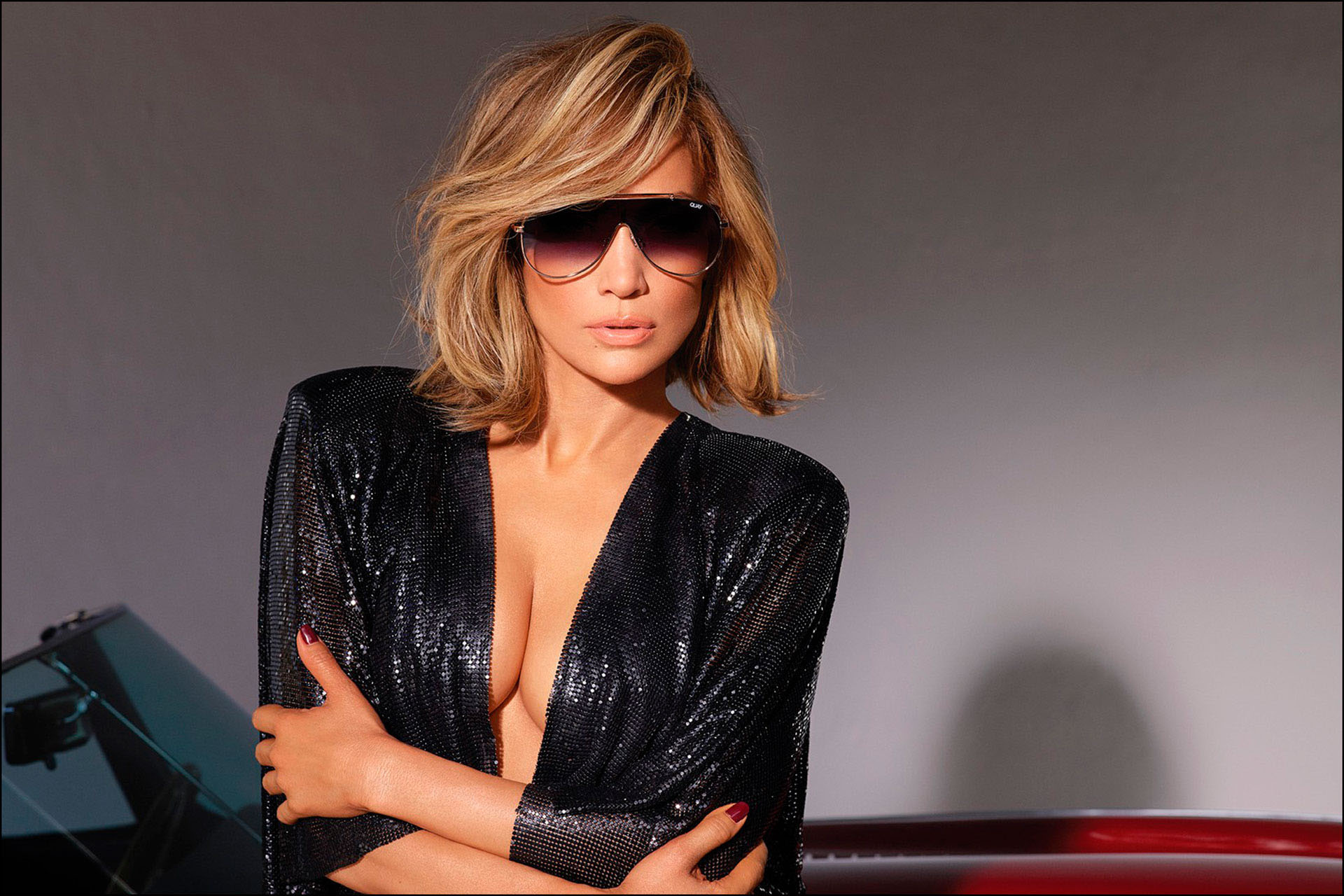 Jennifer López en la nueva campaña de la marca Quay Australia.