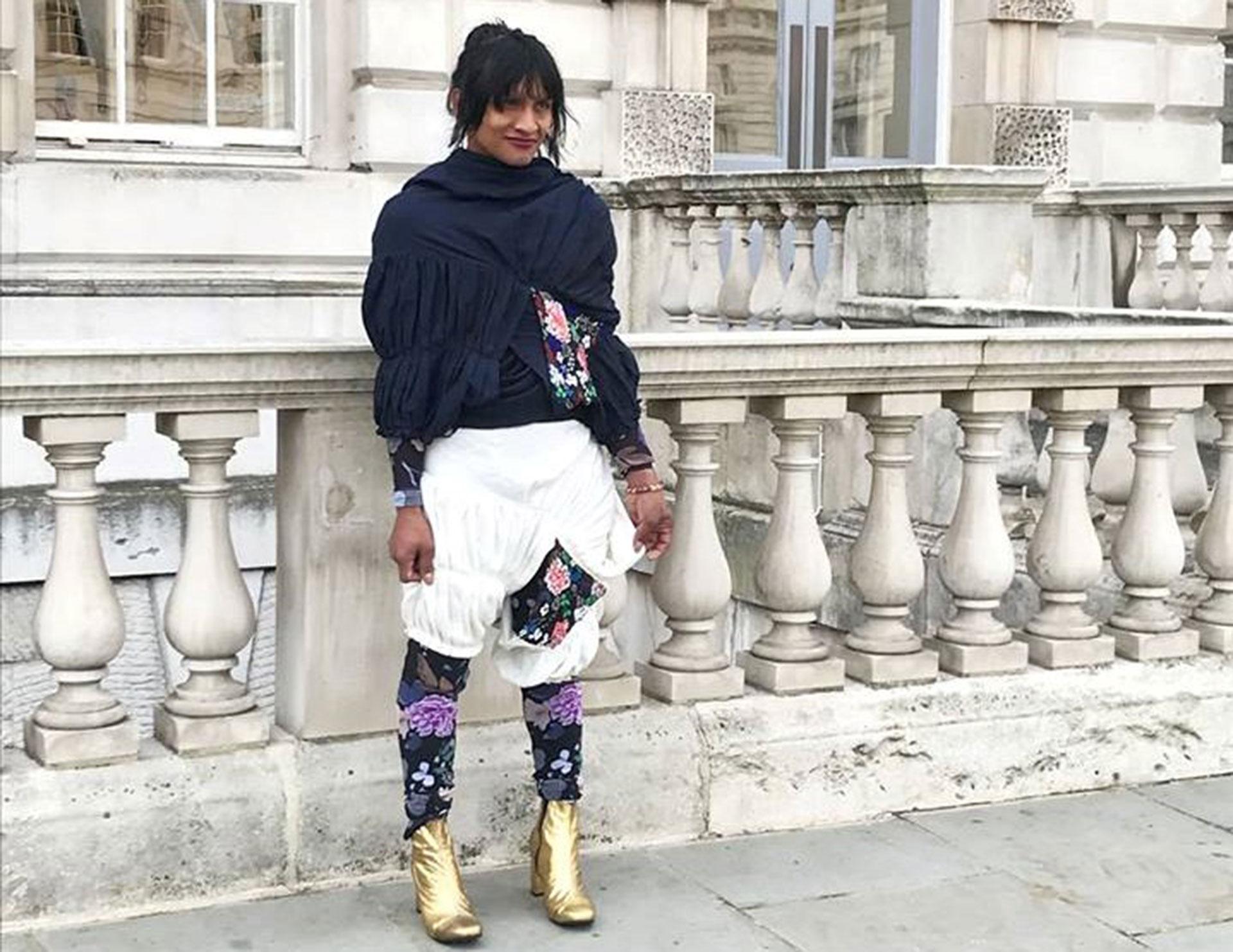 La indígena trans Roxana Panchi vestida de un diseño creado en conjunto con la diseñadora Laura Laurens (Fotos Facebook Laura Laurens)