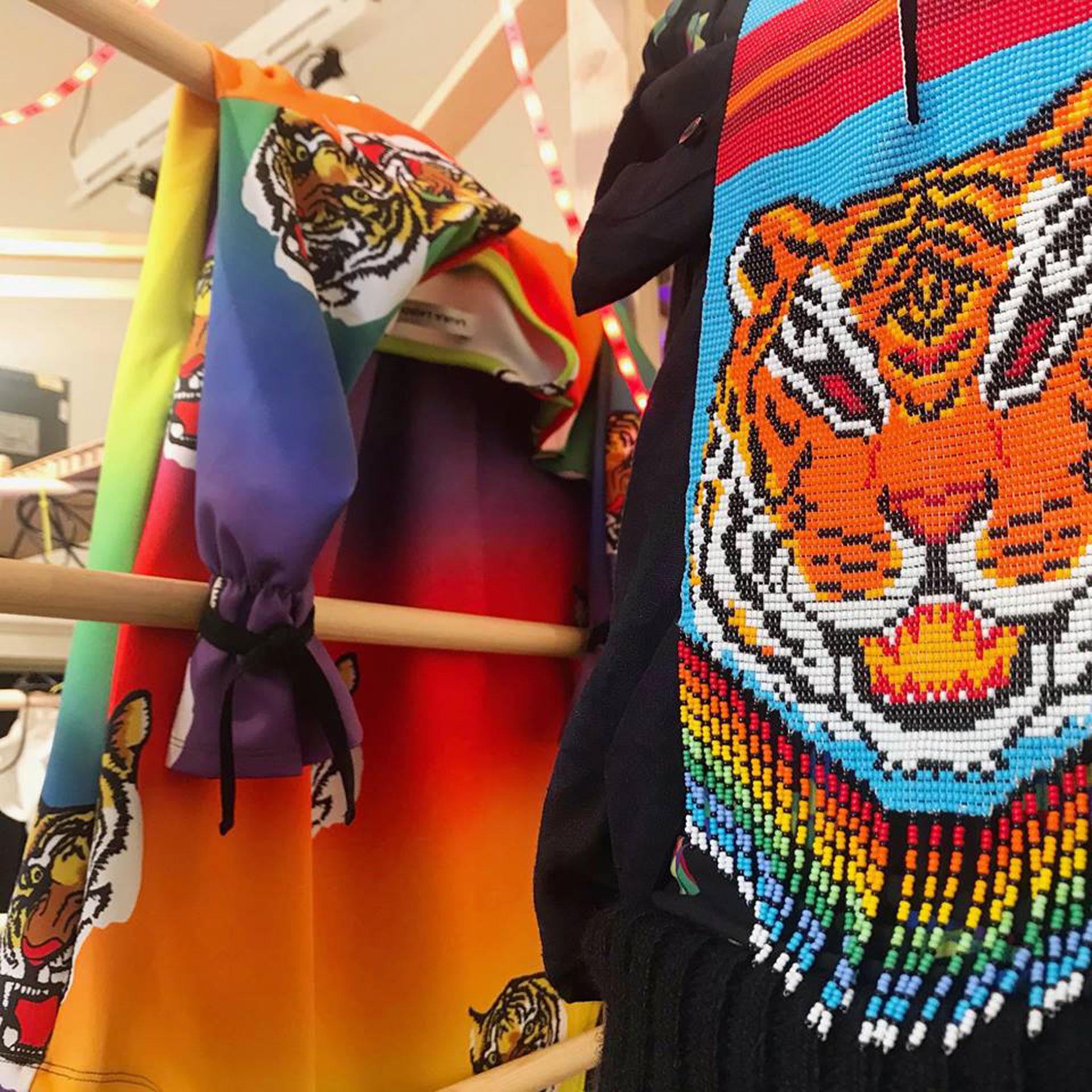 Algunos de los diseños que Laurens desarrolla con las indígenas transgéneros.