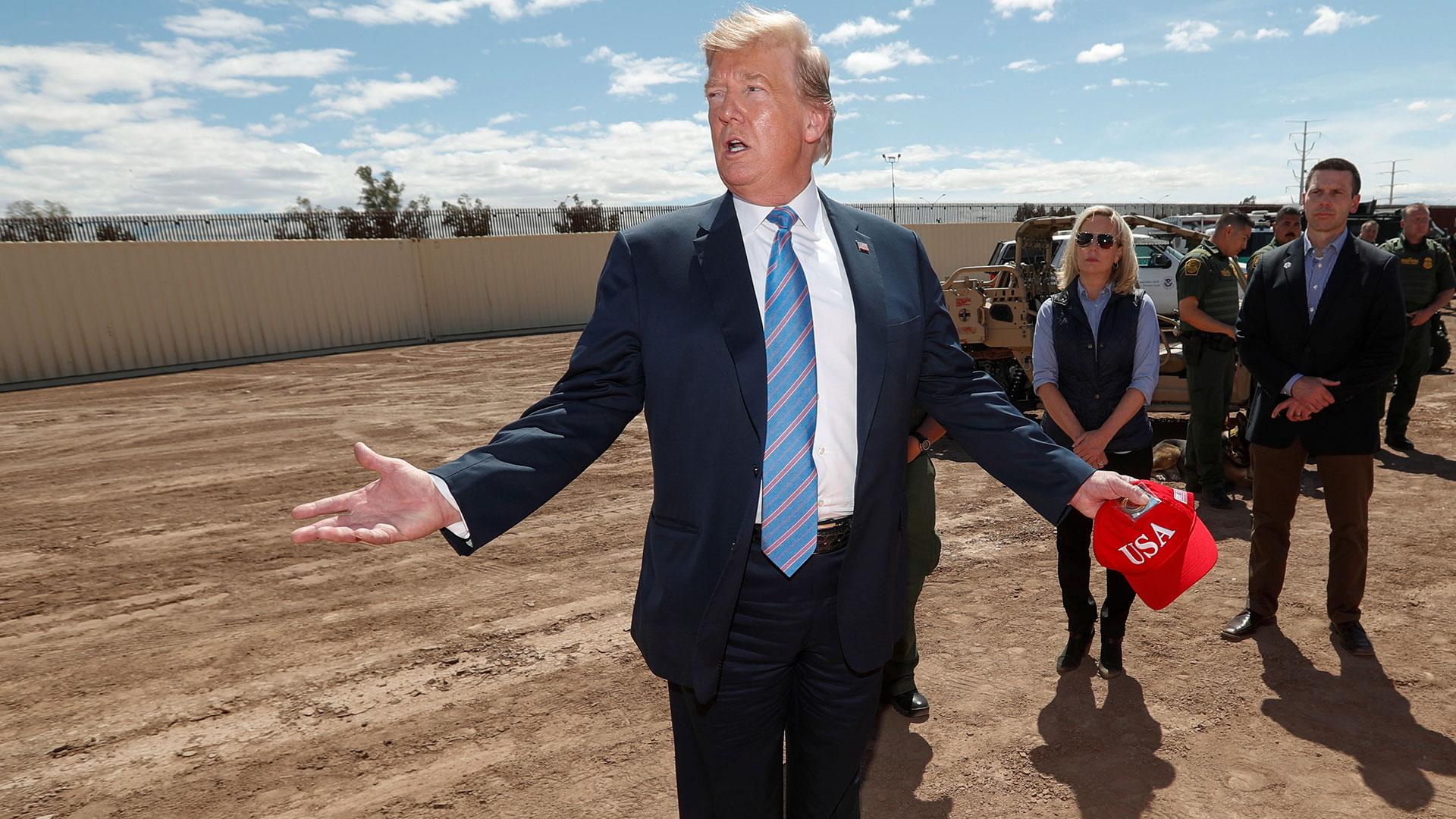 Donald Trump en la frontera de EEUU con México el 5 de abril de 2019 (Reuters)