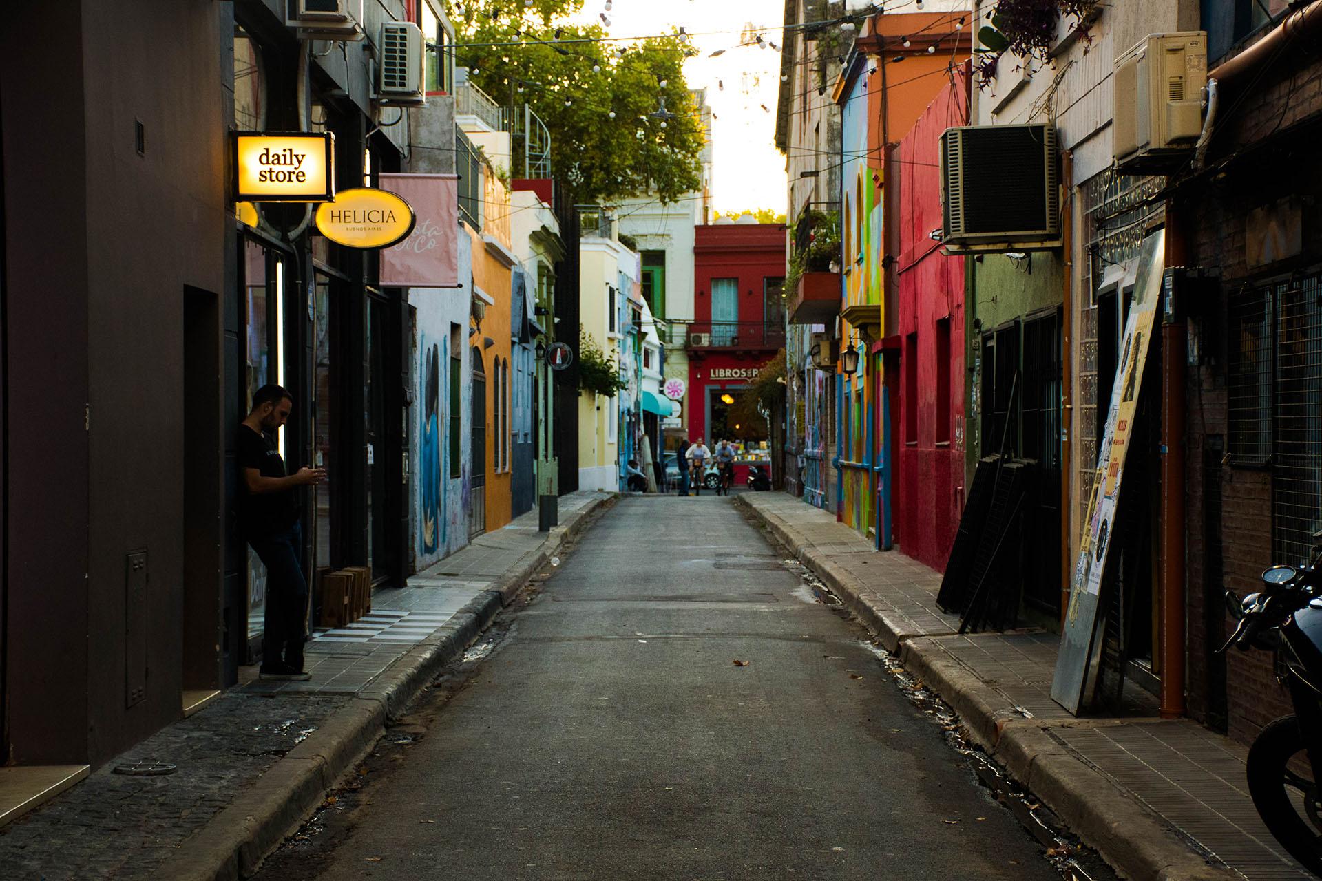 Palermo Soho, cerca de Plaza Serrano, se caracteriza por su pasajes coloridos