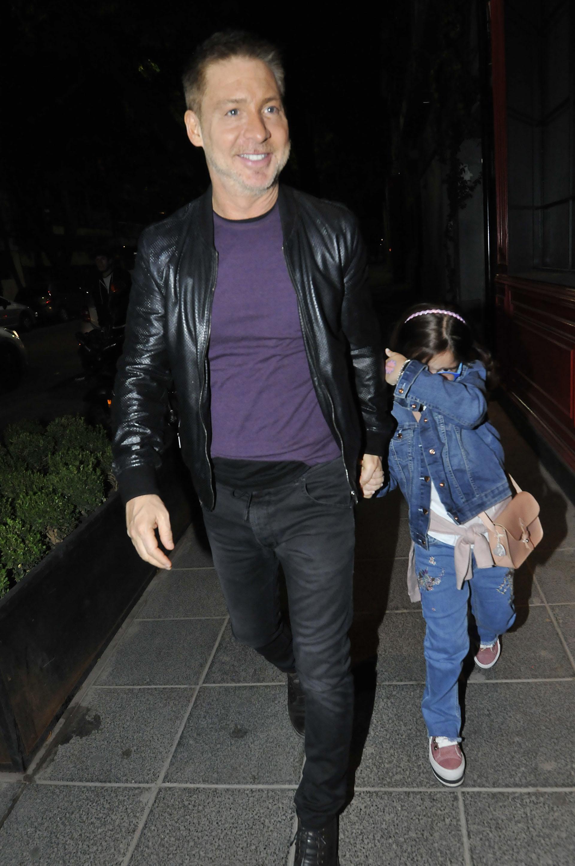 Adrián Suar llegó a la fiesta VIP con su hija Margarita