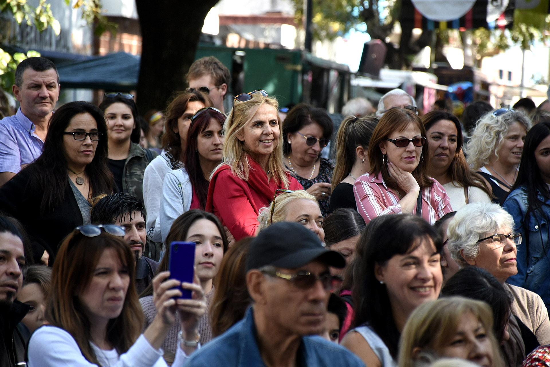 Cuando Maru Botana dio comienzo a su charla en el Escenario Montenegro se llenó de gente que la escucharon atentamente. Compartió recetas para pascuas, tips para cocinar el famoso merengue italiano y cómo hacer una masa hojaldrada