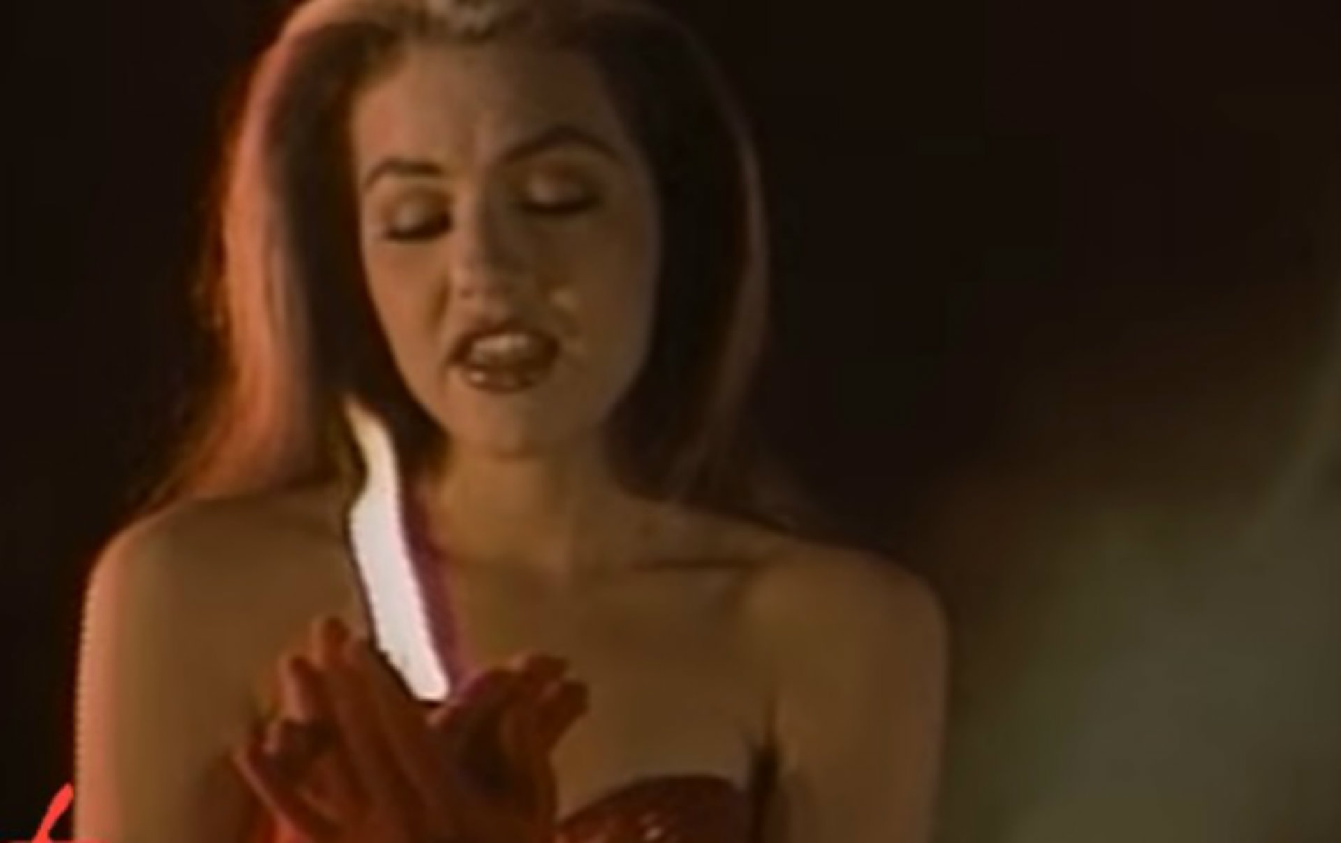 """""""Sangre"""" se publicó en el disco """"Love"""", de 1992 (Captura YouTube)"""