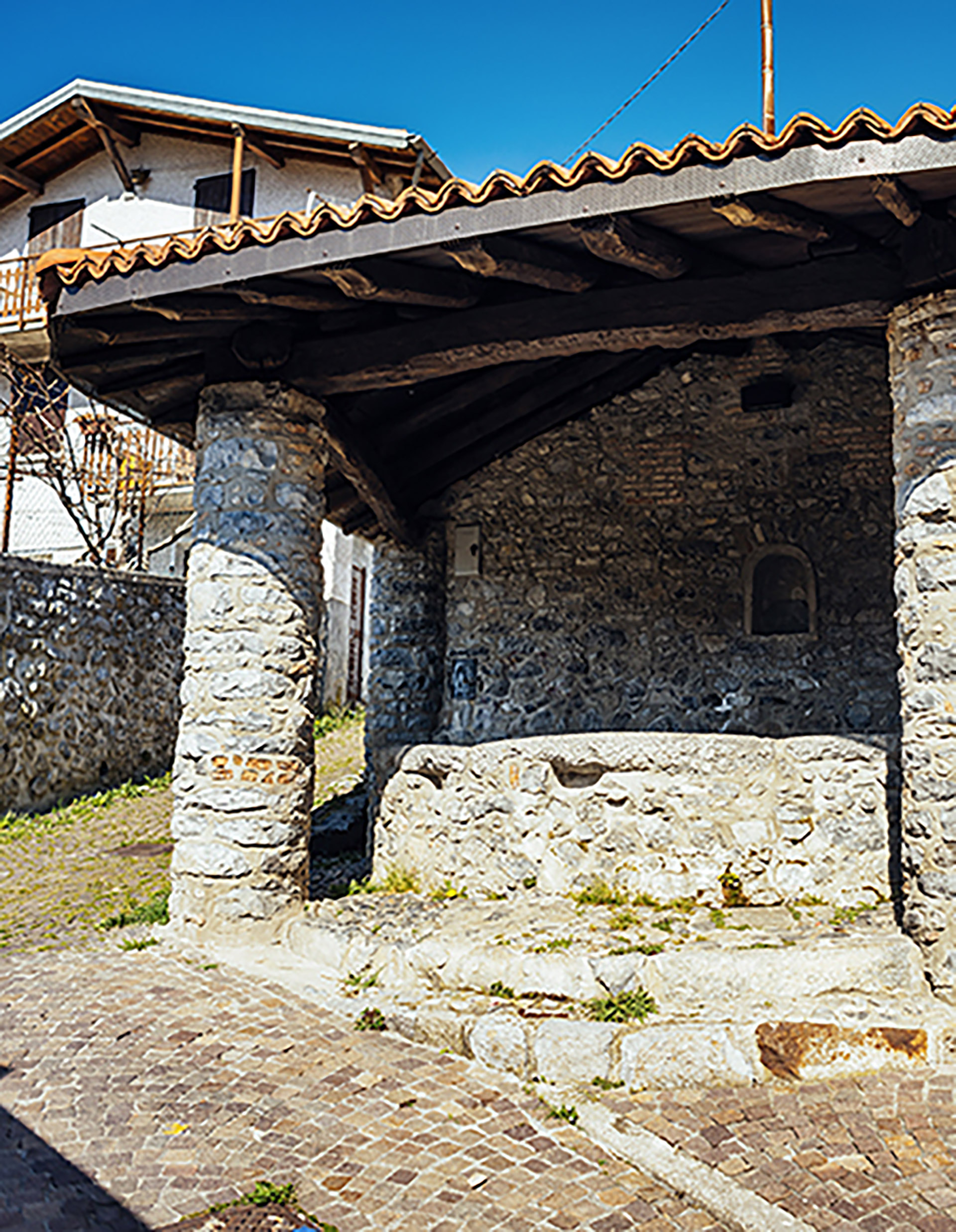 El lavatorio de San Giovanni es una de las construcciones más antiguas del pueblo. Es suyo por 85.000 euros (http://vendesiesino.it/)