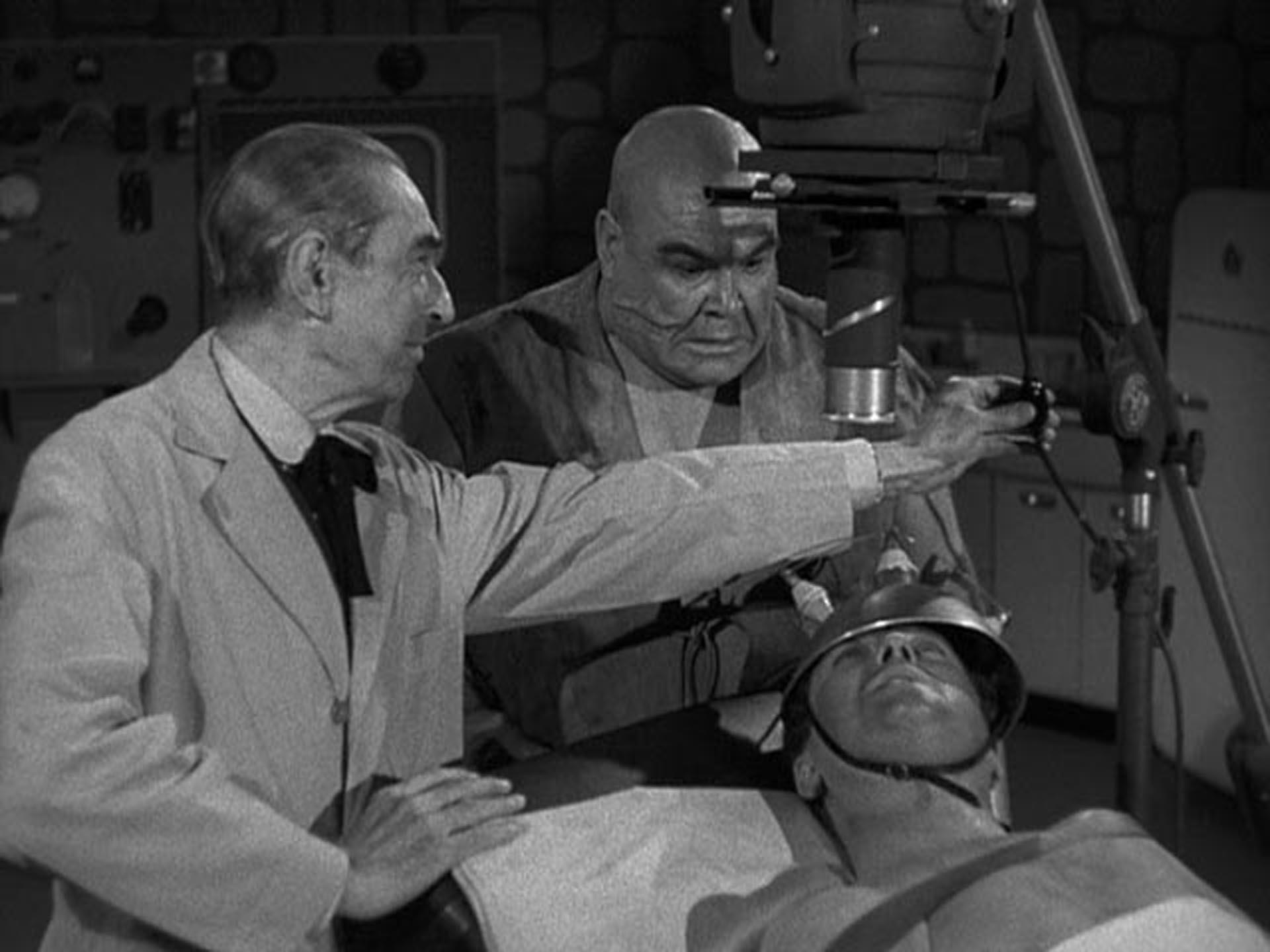 """Béla Lugosi y Tor Johnson en """"La novia del monstruo"""""""