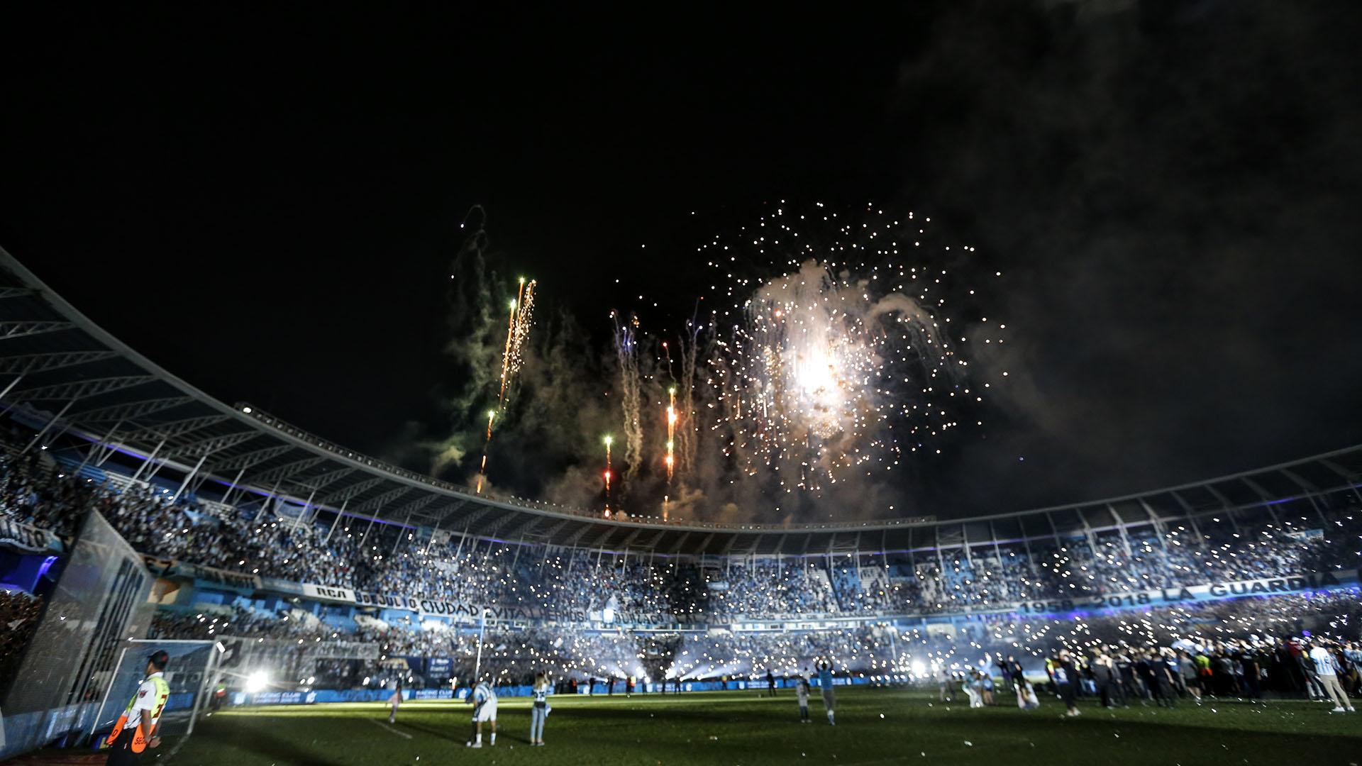 La fiesta en el Cilindro se cerró con fuegos artificiales (Foto: Nicolás Aboaf)