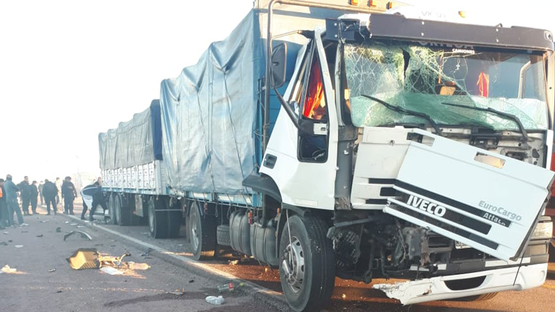 Como consecuencia del accidente murieron tres docentes (@victorgauna)