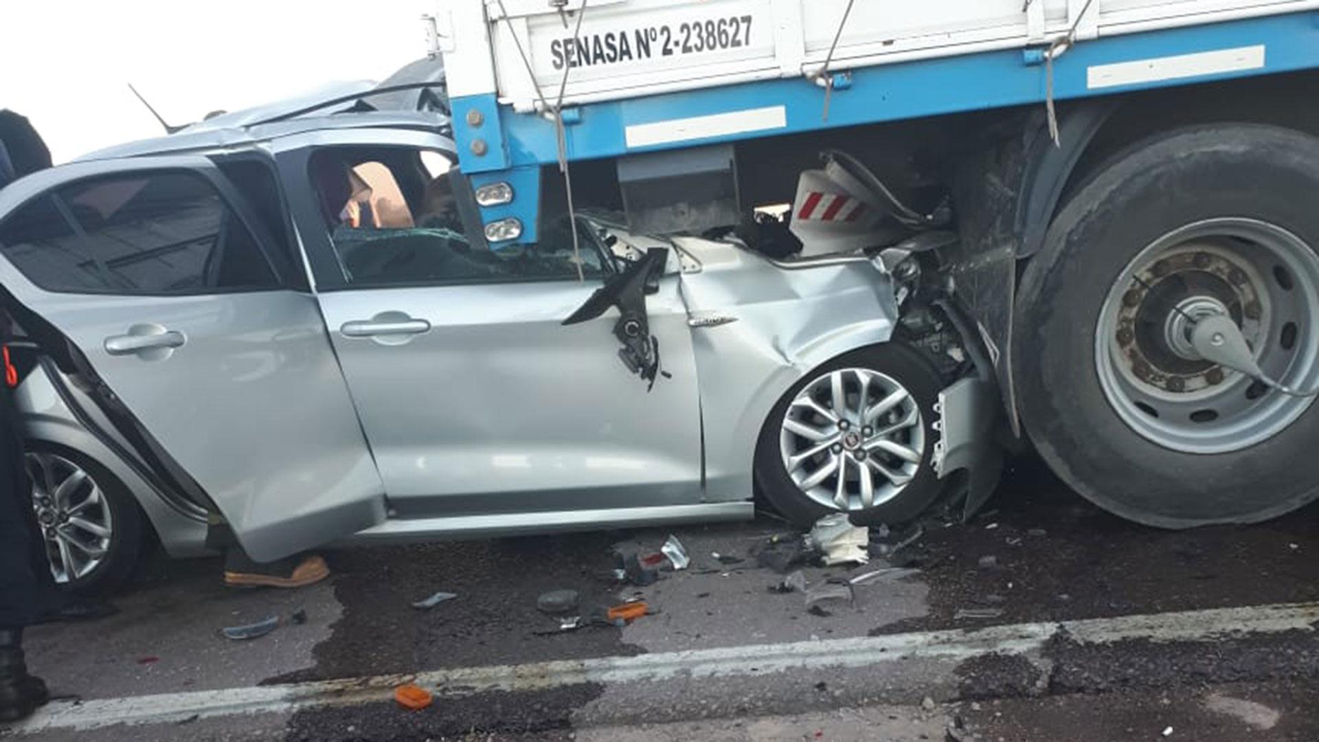 El múltiple choque ocurrió este lunes por la mañana (@victorgauna)