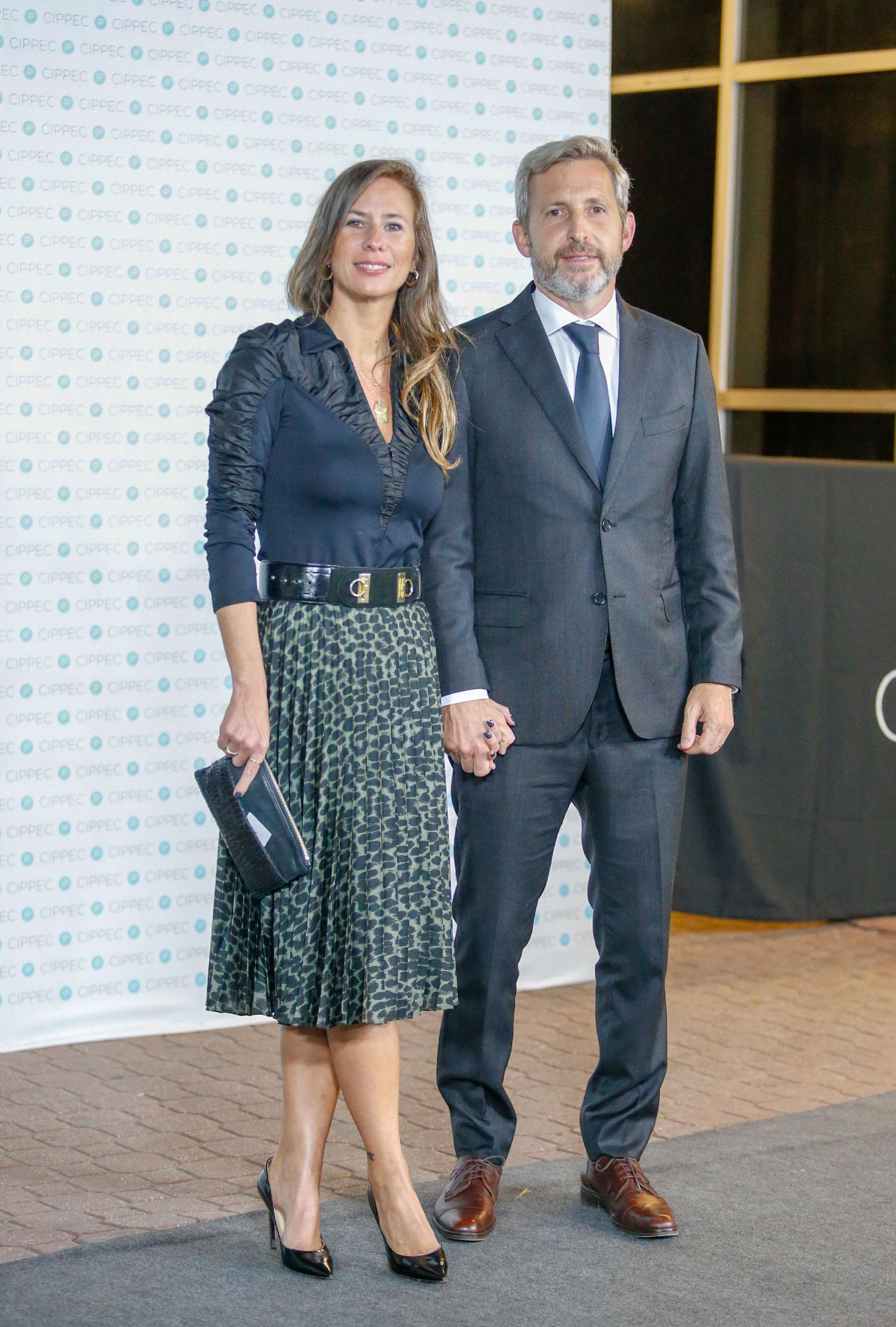 El ministro del Interior, Rogelio Frigerio, y su mujer Victoria Costoya