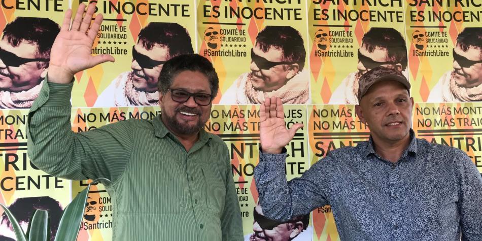 Iván Márquez junto a El Paisa.