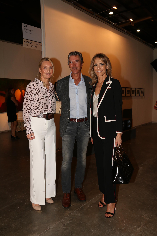 Cathrine y Pablo Roemmers junto a Rossella Della Giovampaola