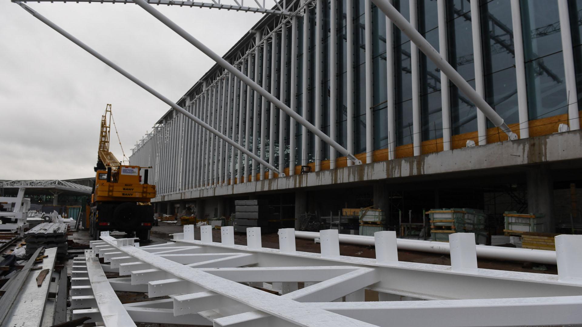 """""""Ezeiza será un aeropuerto con mayor tecnología y con mejor experiencia para los pasajeros del mundo. A mí particularmente me emociona el crecimiento"""", dijo Guillermo Dietrich, Ministro de Transporte de la Nación en un nuevo acto de relevamiento de las obras"""