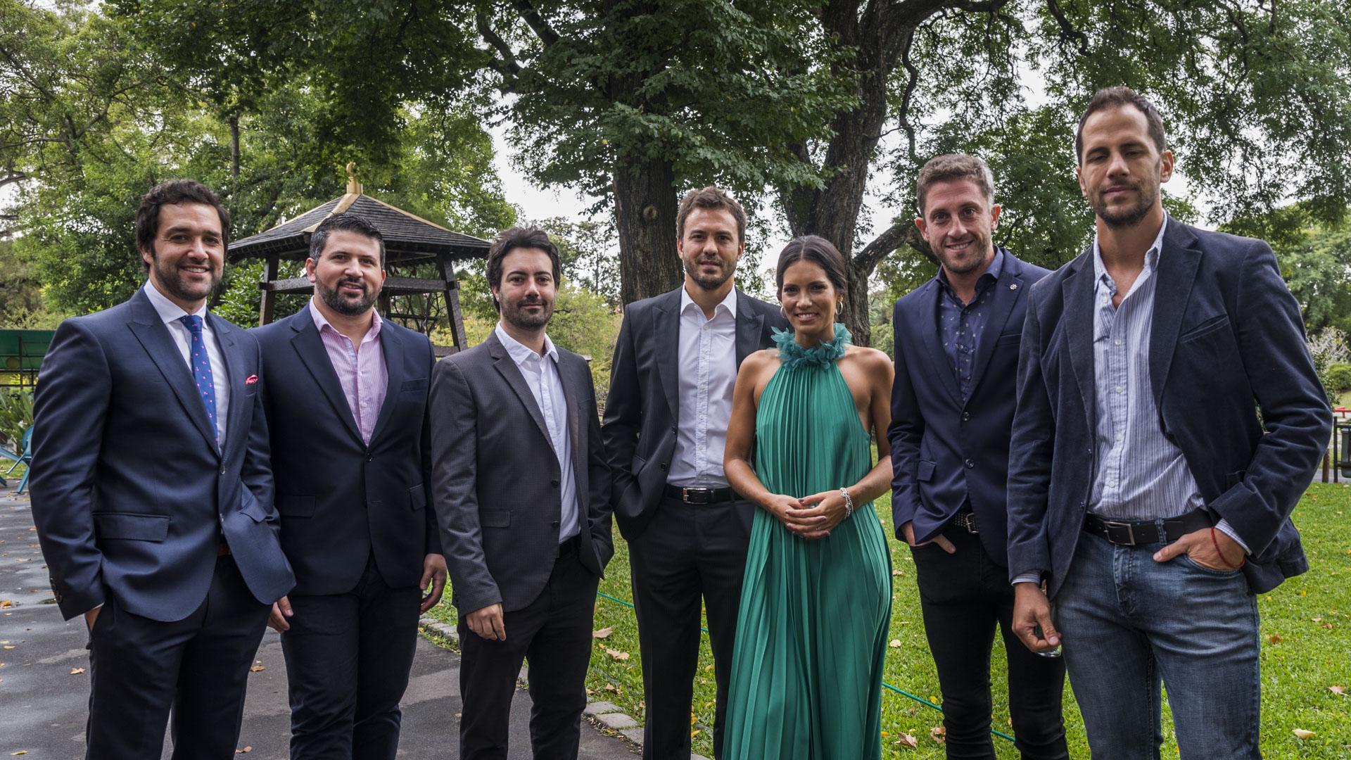 Juani Hernández junto a algunos de los periodistas y analistas que cubrirá el Mundial (Foto: Julieta Ferrario)