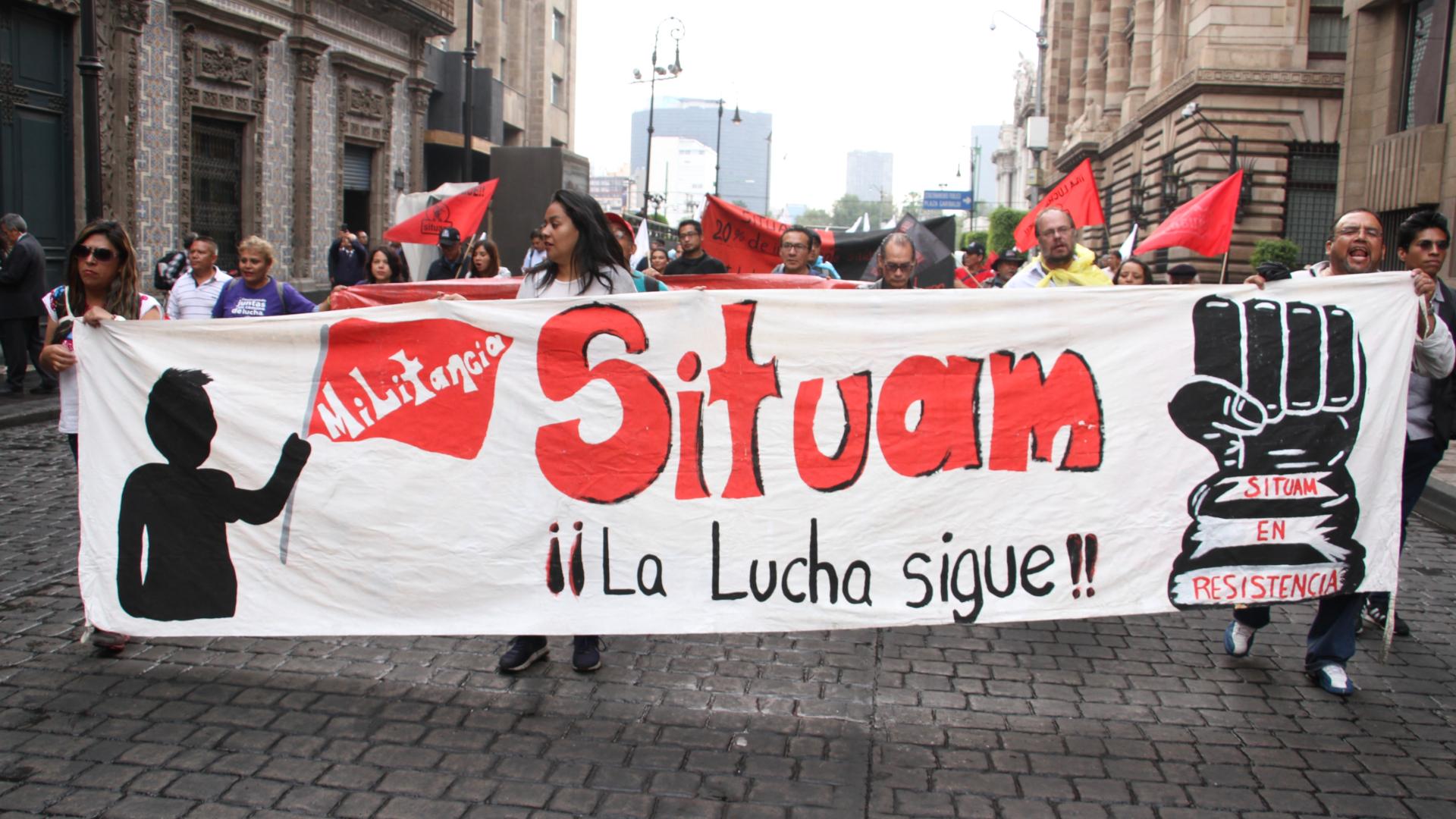 Maestros y personal administrativa de la Universidad Autónoma Metropolitana, marcharon en protesta a favor del aumento salarial (Foto: Cuartoscuro)