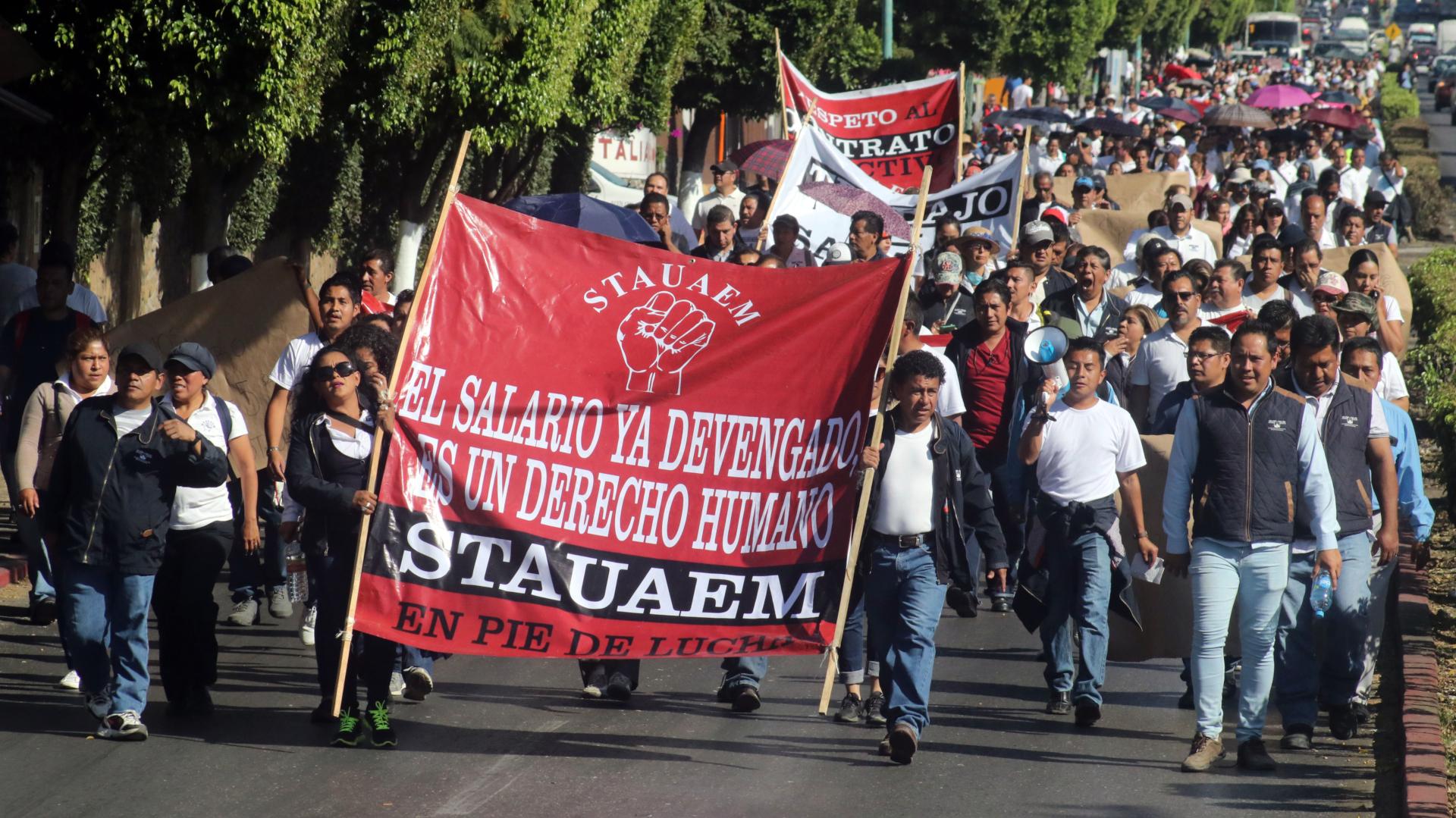 Marcha del Sindicato de Trabajadores Administrativos de la Universidad Autónoma del Estado de Morelos (Foto: Cuartoscuro)