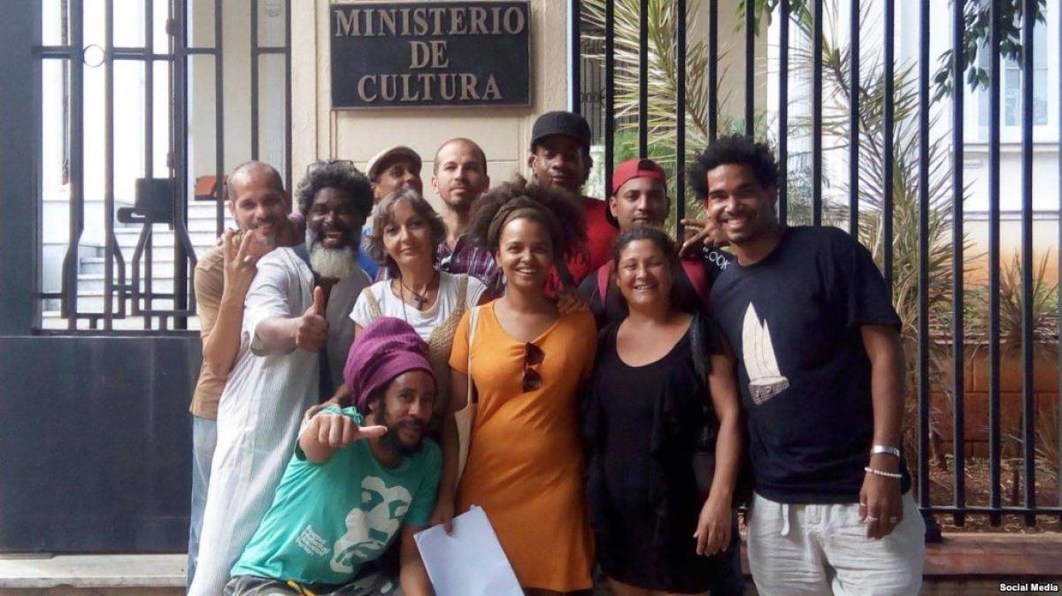 Los artistas independientes cubanos se han manifestado contra el Decreto trescientos cuarenta y nueve. (Luis Manuel Otero)
