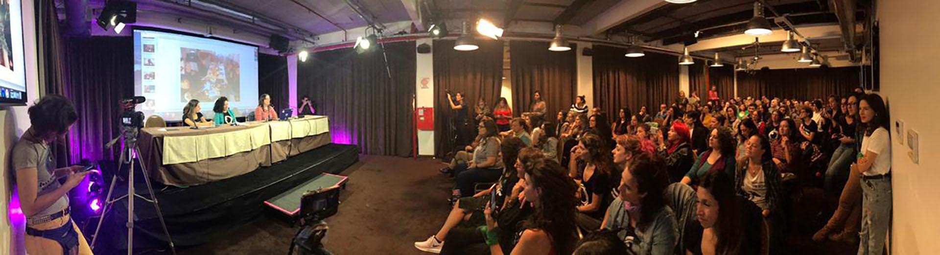 Con una sala colmada de mujeres, se presentó la plataforma MUA
