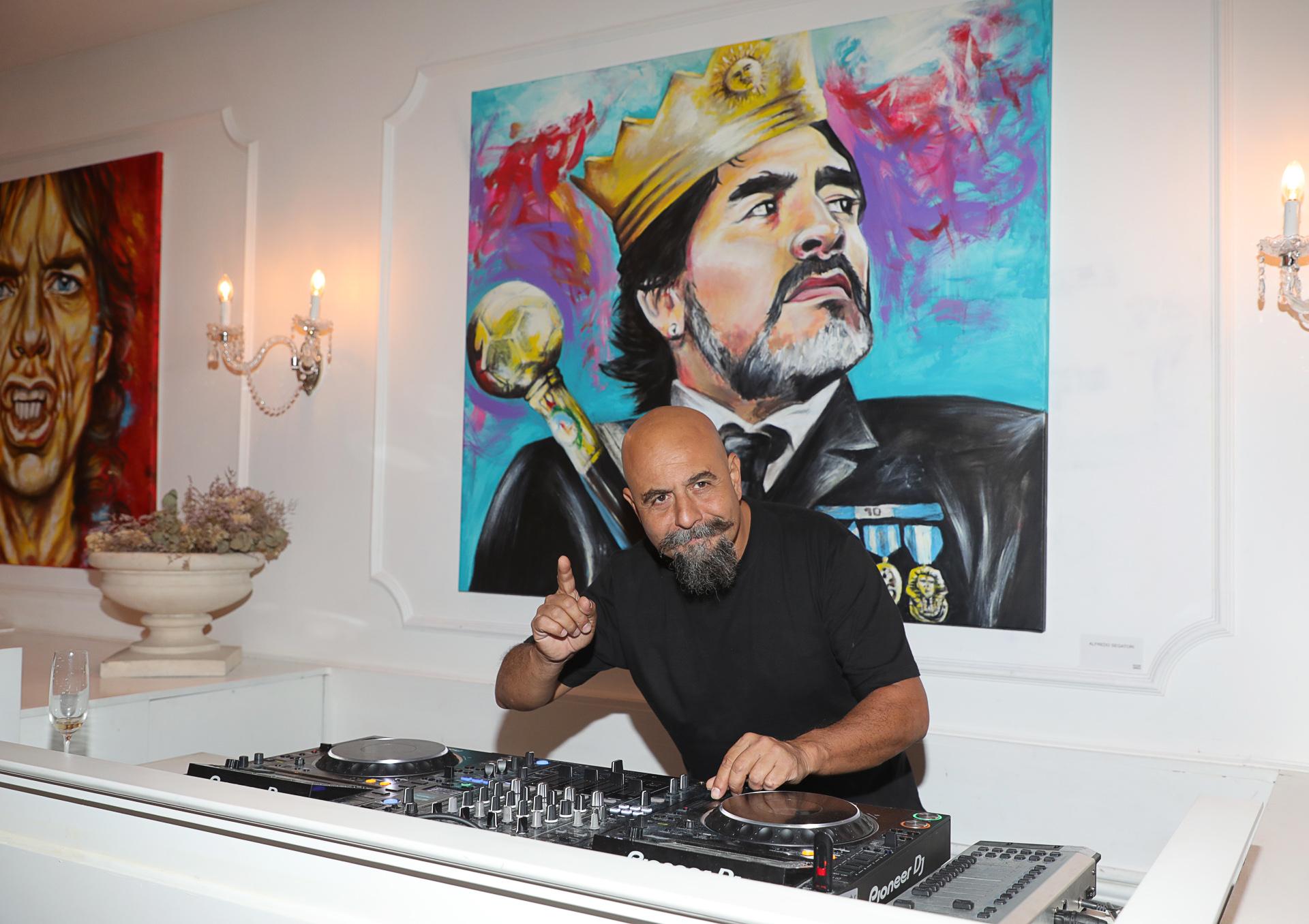 También, se presentó un ciclo de arte, curado por el reconocido muralista Alfredo Segatori