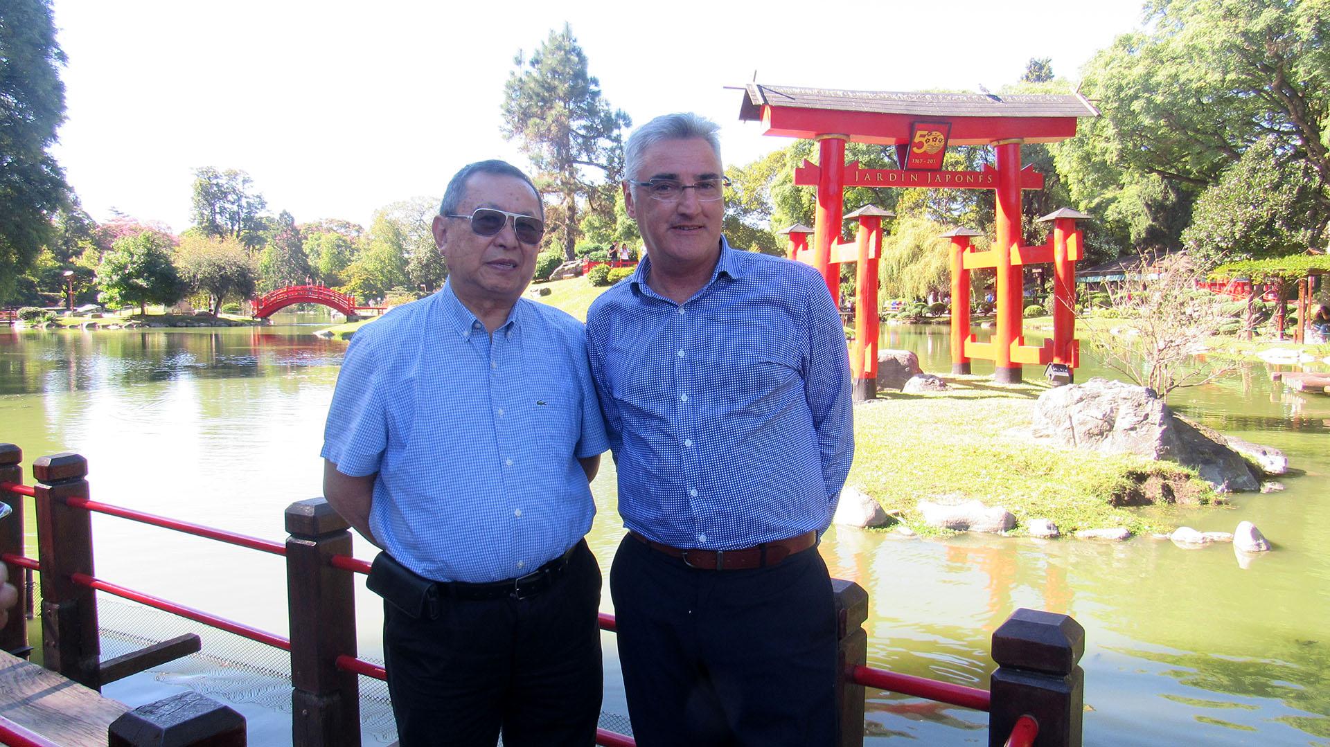 Lamas junto a Kazunori Kosaka, presidente del Jardín Japonés, durante su última visita a Argentina