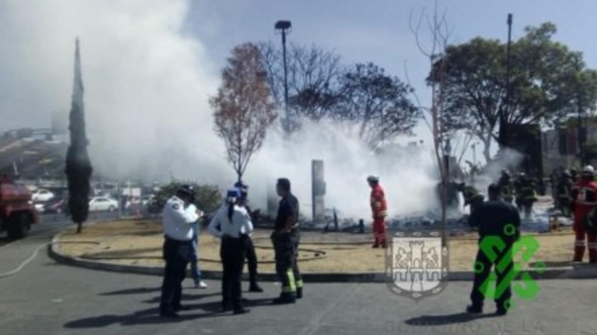 Las autoridades informaron que las llamas alcanzaron los cinco metros de altura (Foto: Captura Twitter – @OVIALCDMX)