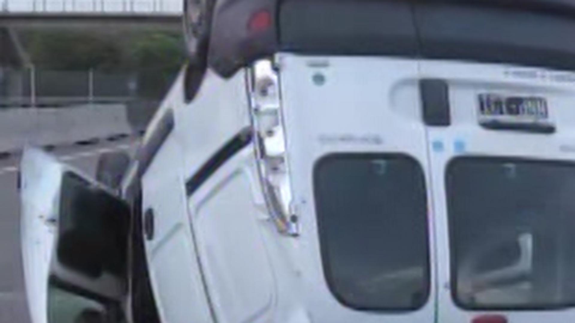 En la Renault Kangoo viajaban seis personas y todas y cada una resultaron heridas