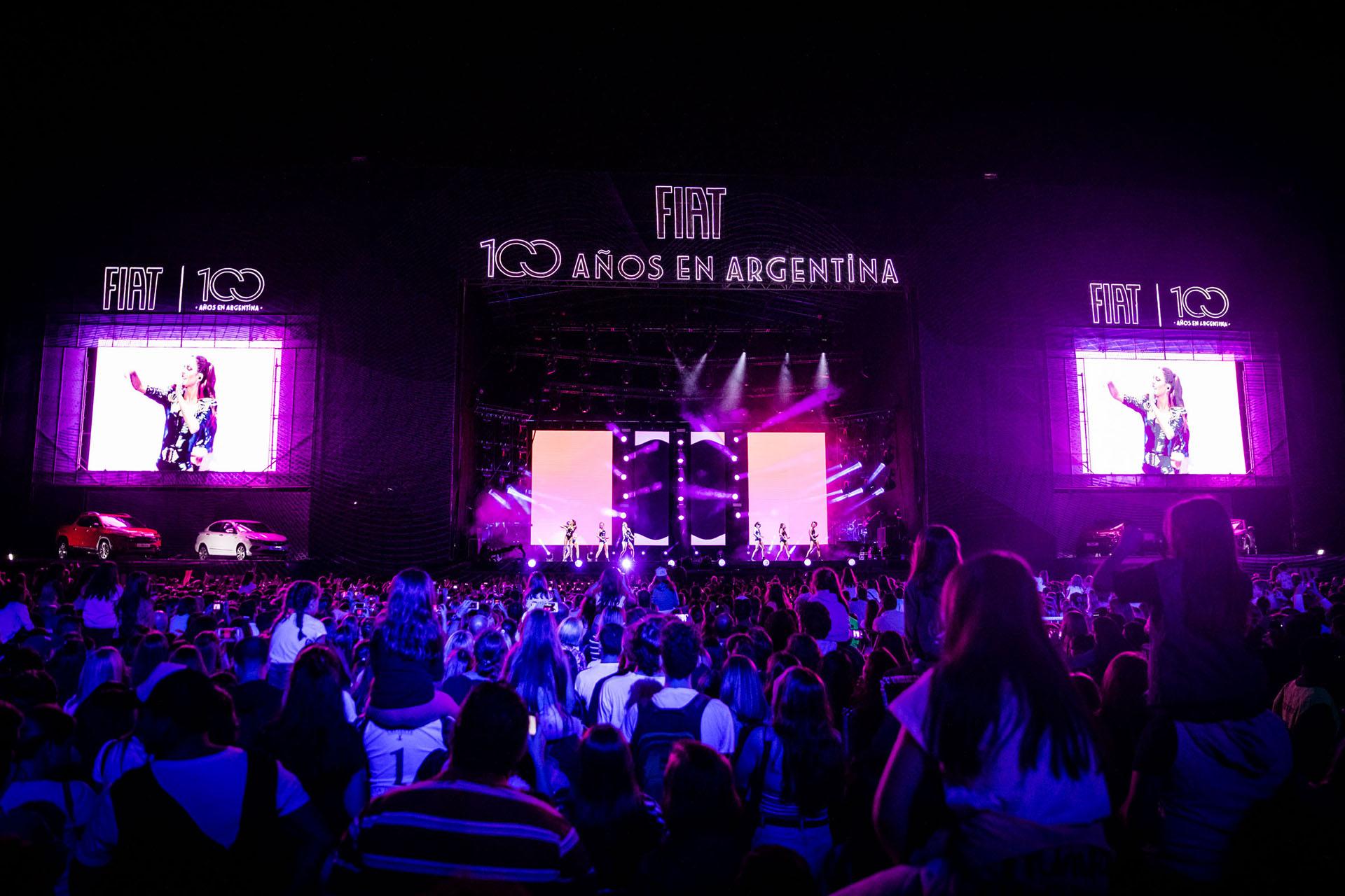 Miles de fanáticos bailaron y cantaron con el show de Tini Stoessel