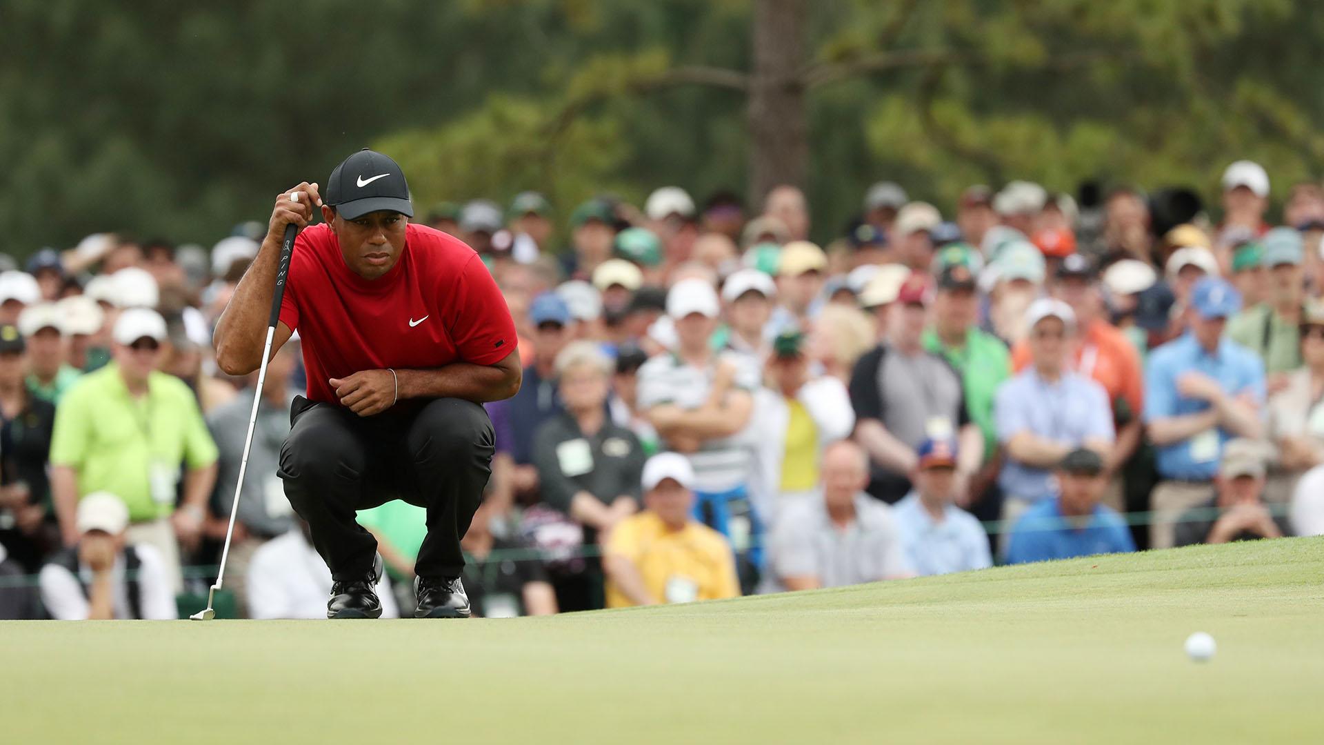 La concentración de Tiger antes un un golpe decisivo (Foto: REUTERS/Jonathan Ernst)